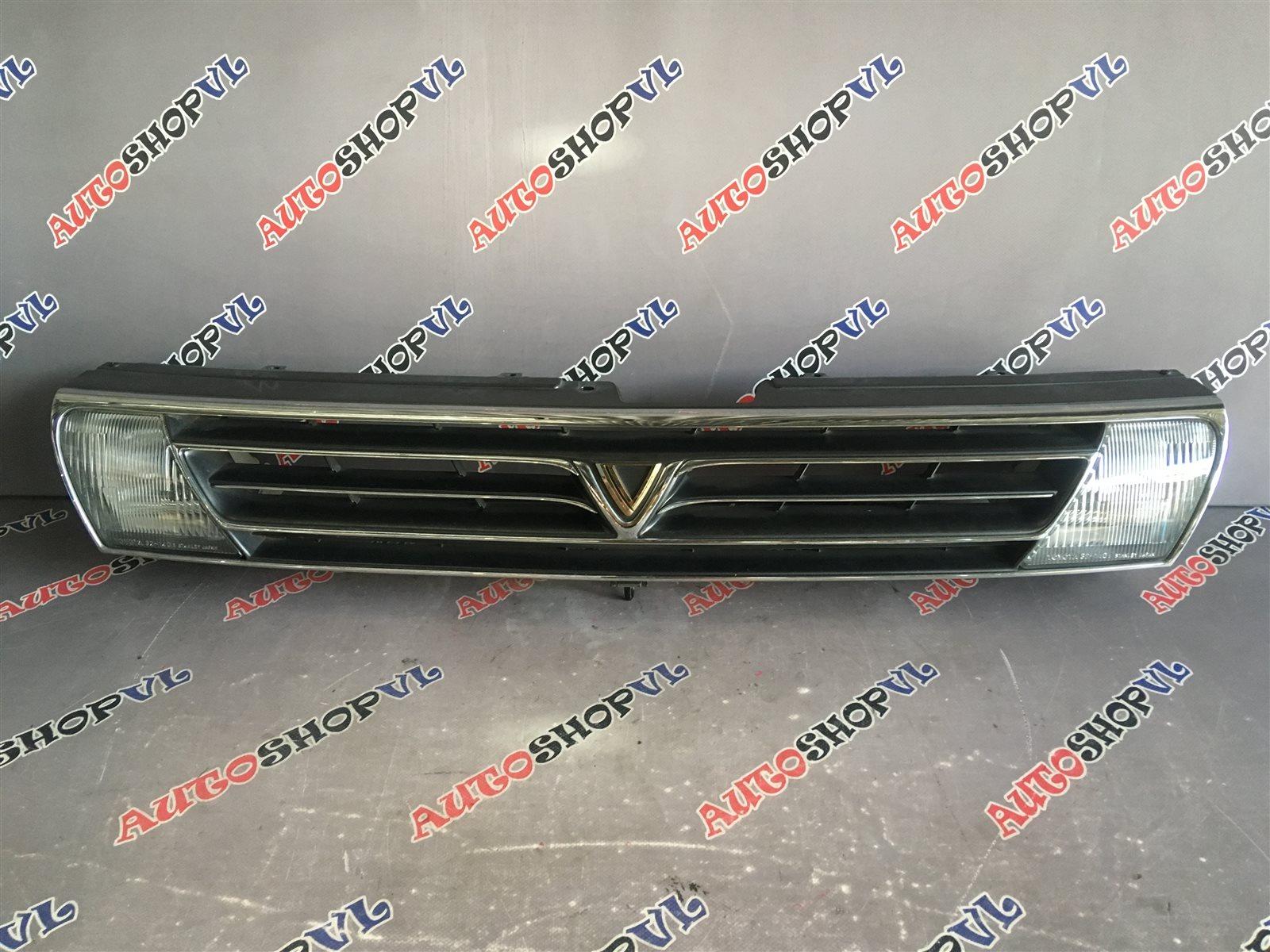 Решетка радиатора Toyota Vista SV30 1992 (б/у)