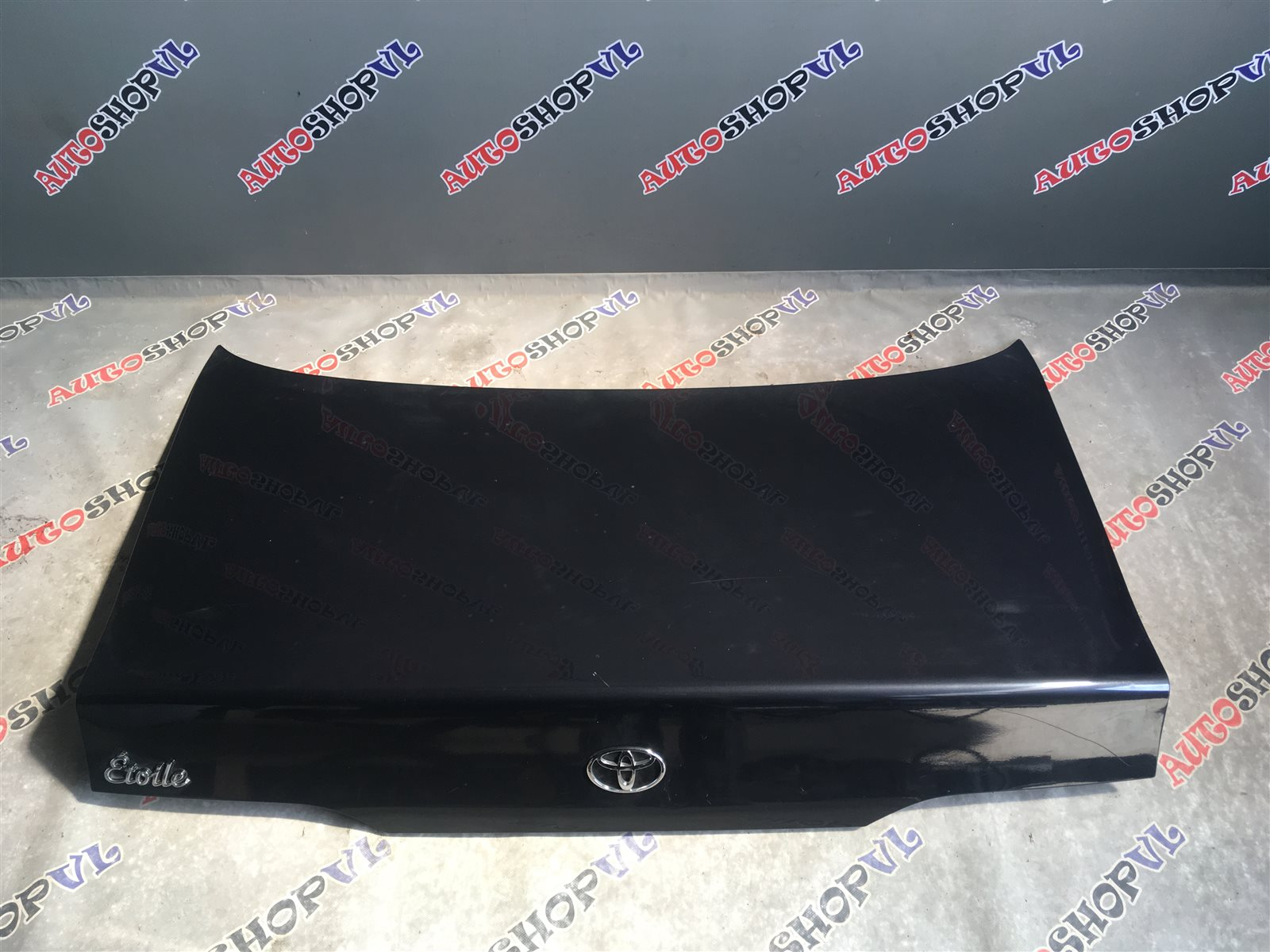 Крышка багажника Toyota Vista SV30 (б/у)