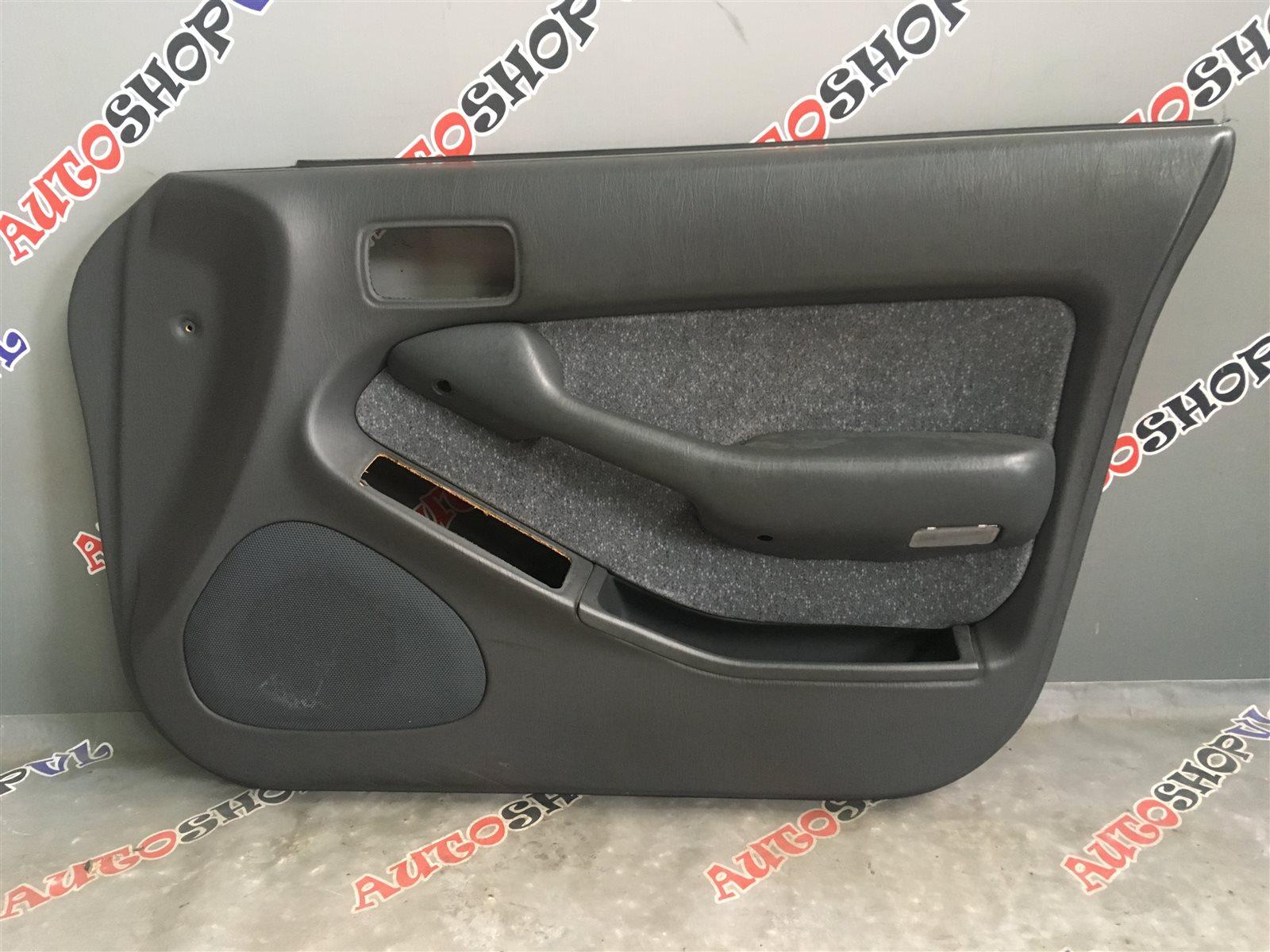 Обшивка дверей Toyota Vista SV30 (б/у)