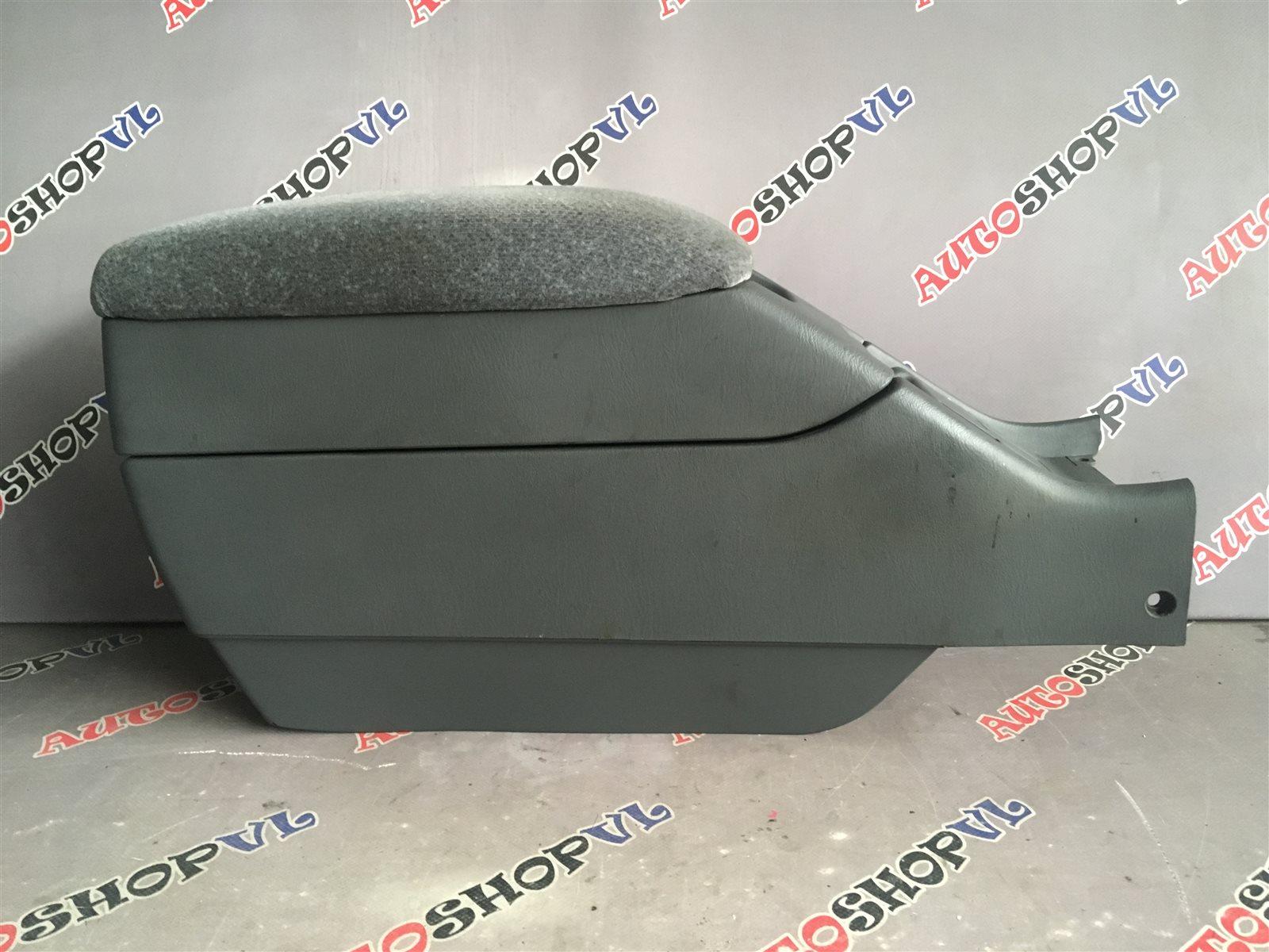 Бардачок между сиденьями Toyota Vista SV30 (б/у)