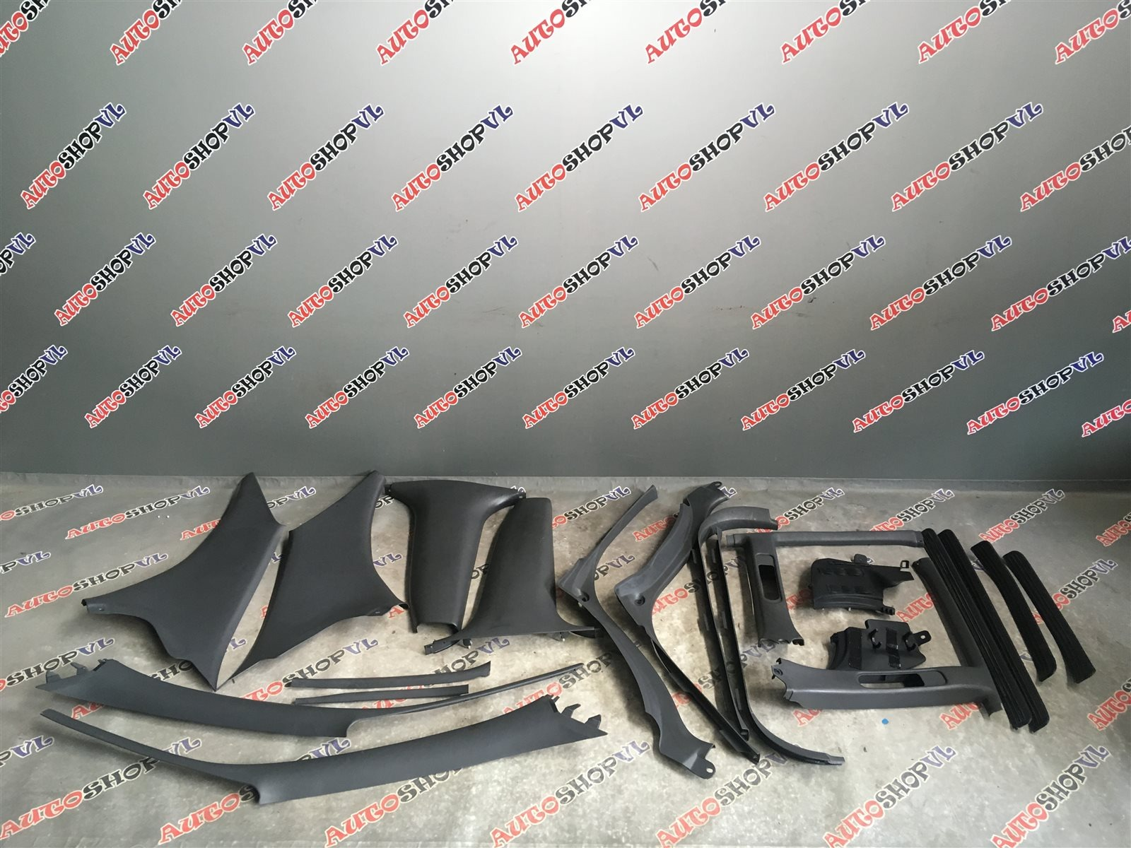 Обшивка салона Toyota Vista SV30 (б/у)