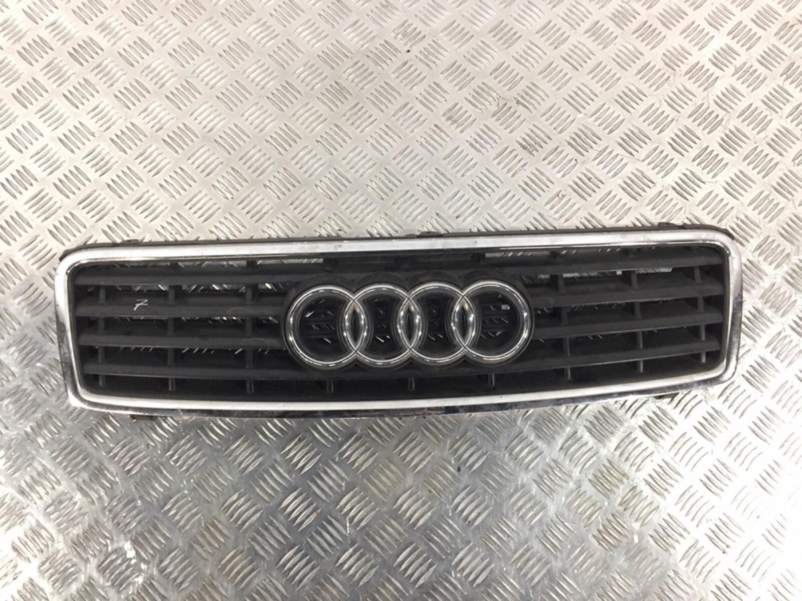 Решетка радиатора Audi A4 B6 2.4 I 2003 (б/у)