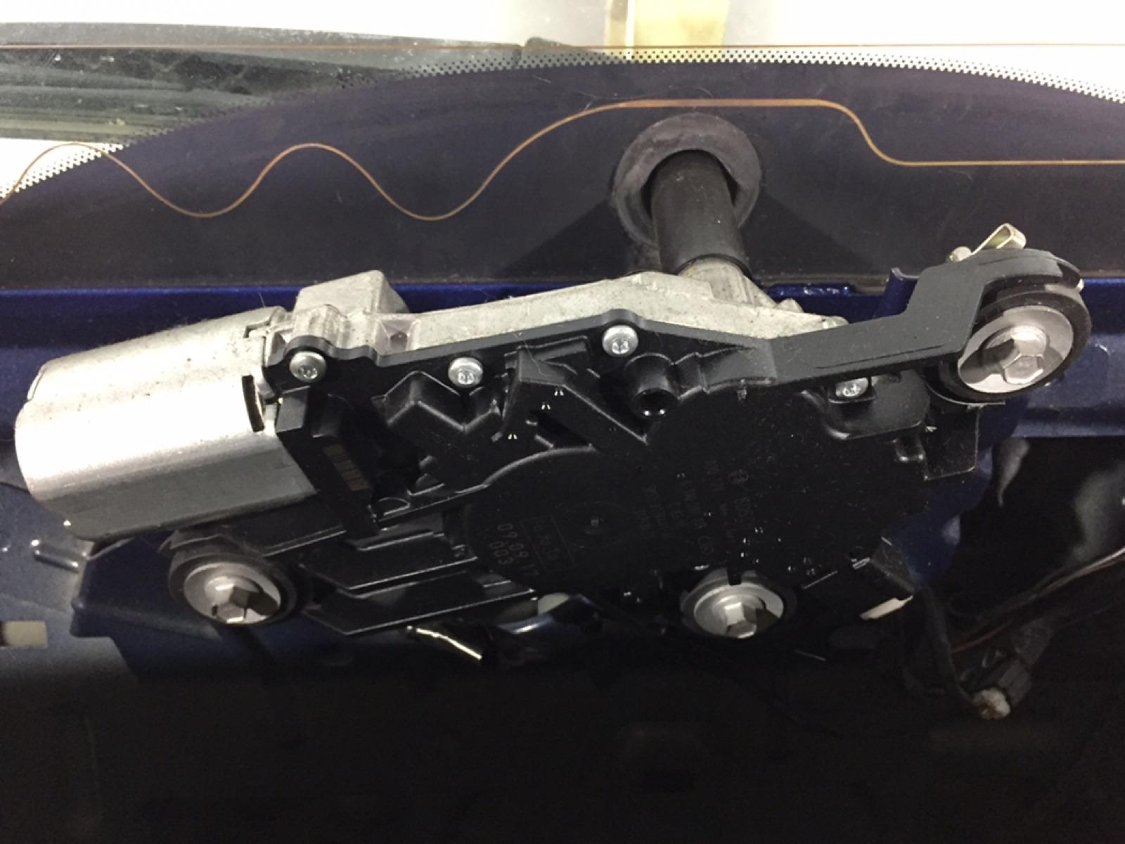 Моторчик заднего стеклоочистителя (дворника) Ford Focus 1.8 TDCI 2009 (б/у)