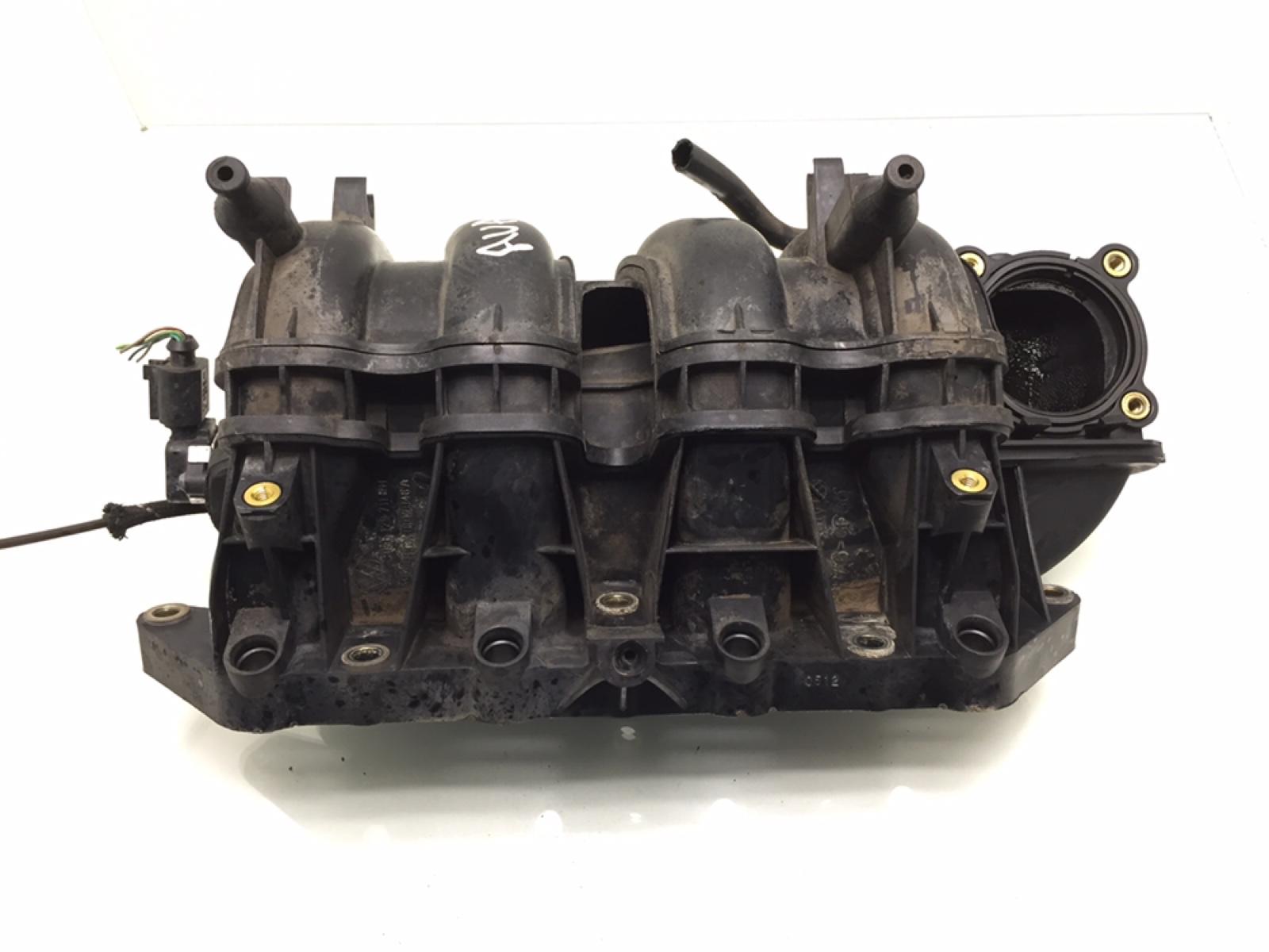 Коллектор впускной Audi A2 8Z 1.4 I 2000 (б/у)