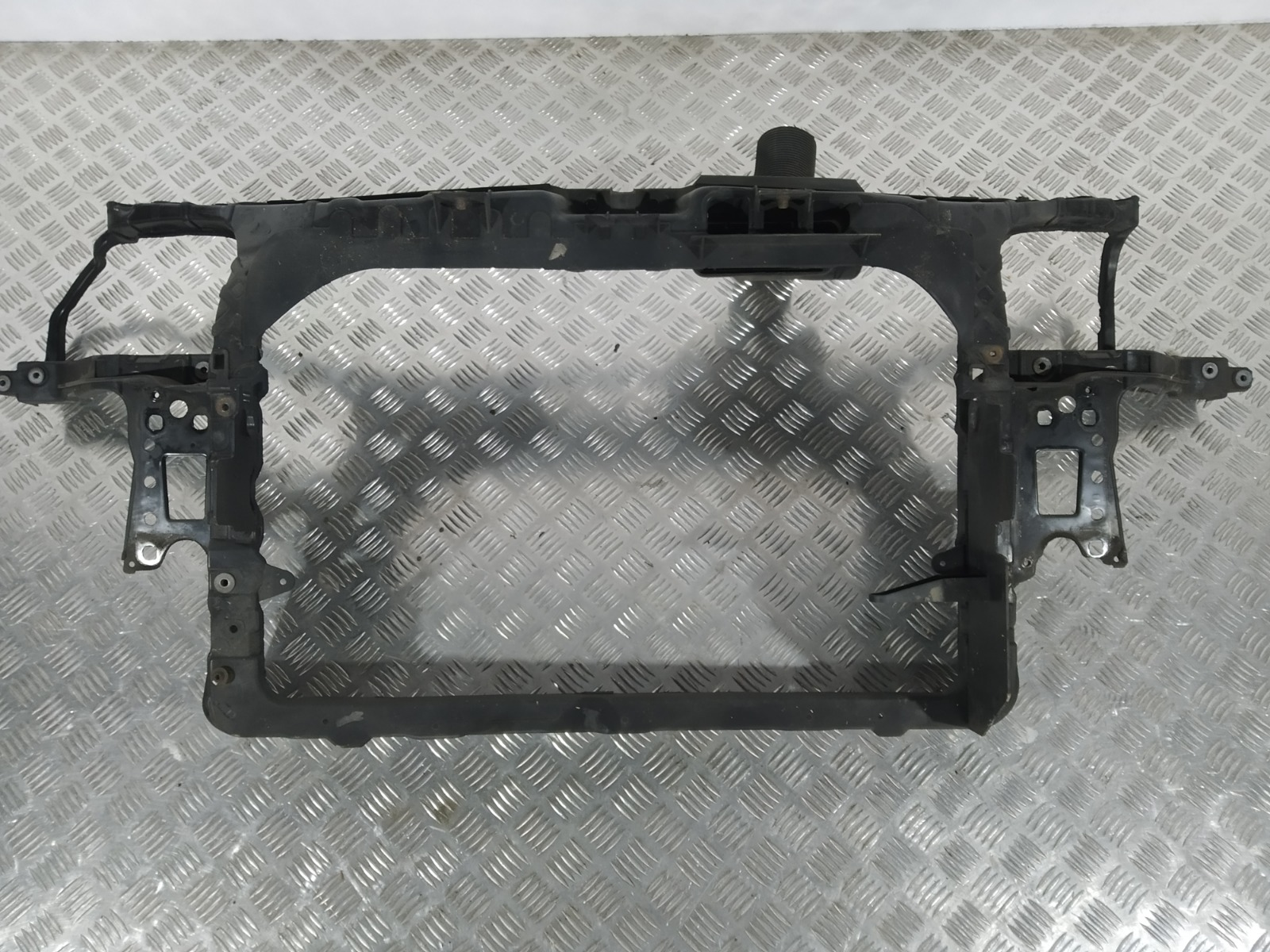 Передняя панель крепления облицовки (телевизор) Seat Ibiza 1.4 I 2006 (б/у)