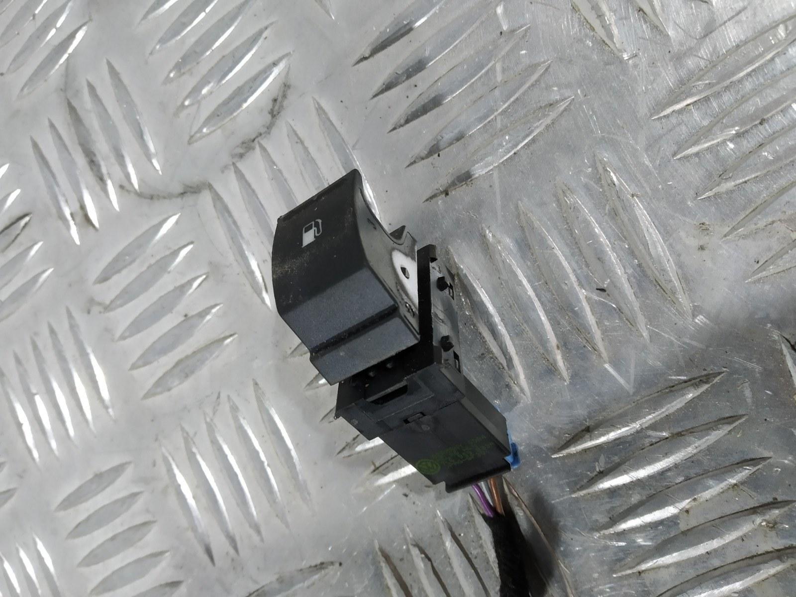 Кнопка открытия лючка топливного бака Volkswagen Golf 5 1.6 FSI 2006 (б/у)