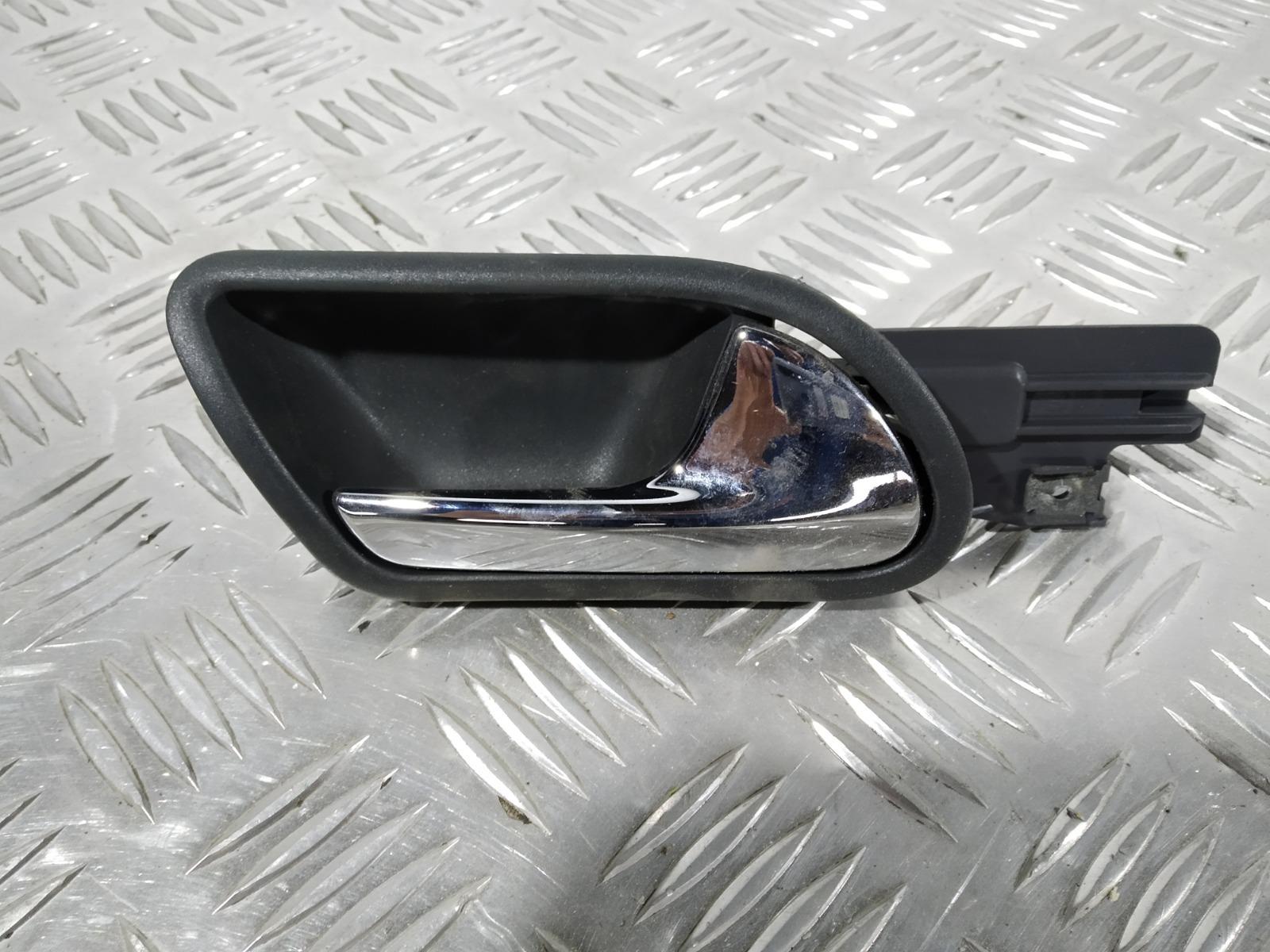 Ручка внутренняя задняя правая Volkswagen Golf 5 1.6 FSI 2006 (б/у)