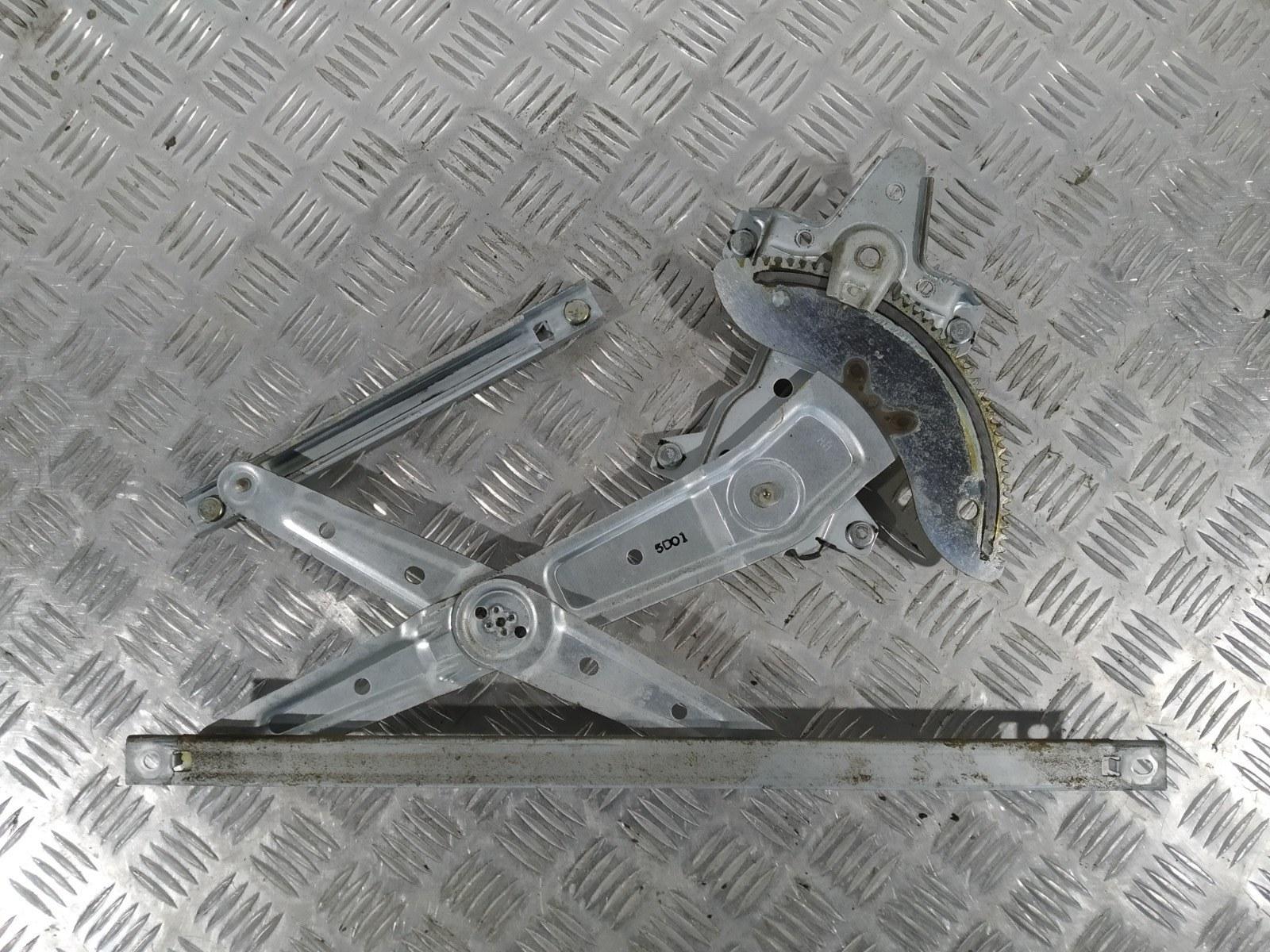 Стеклоподъемник электрический передний правый Kia Carens 2.0 CRDI 2005 (б/у)