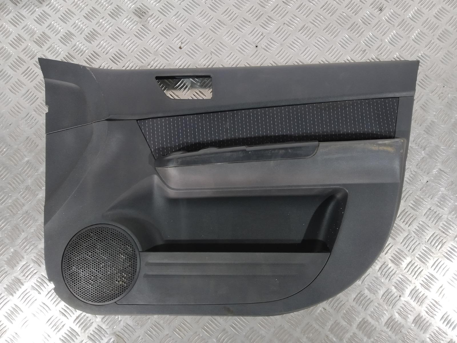 Обшивка двери передней правой (дверная карта) Hyundai Getz 1.4 I 2005 (б/у)