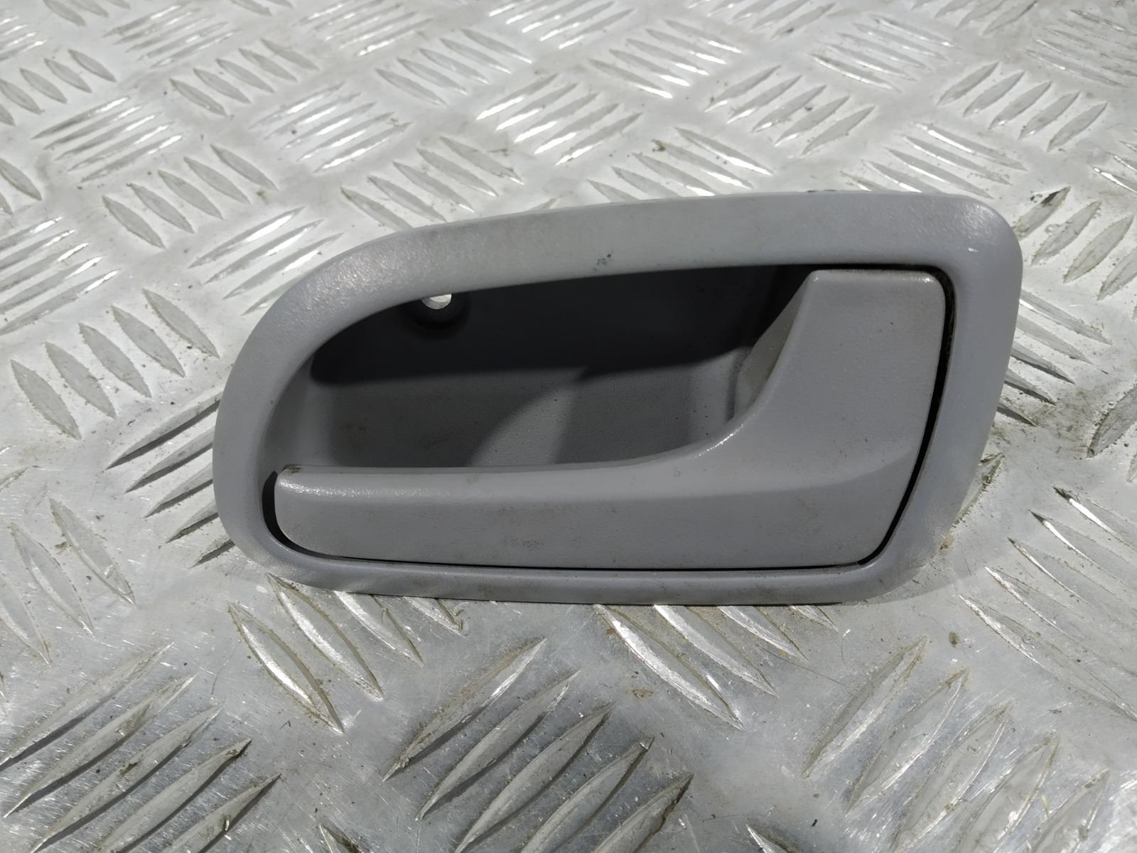 Ручка внутренняя передняя правая Kia Picanto 1.1 I 2004 (б/у)