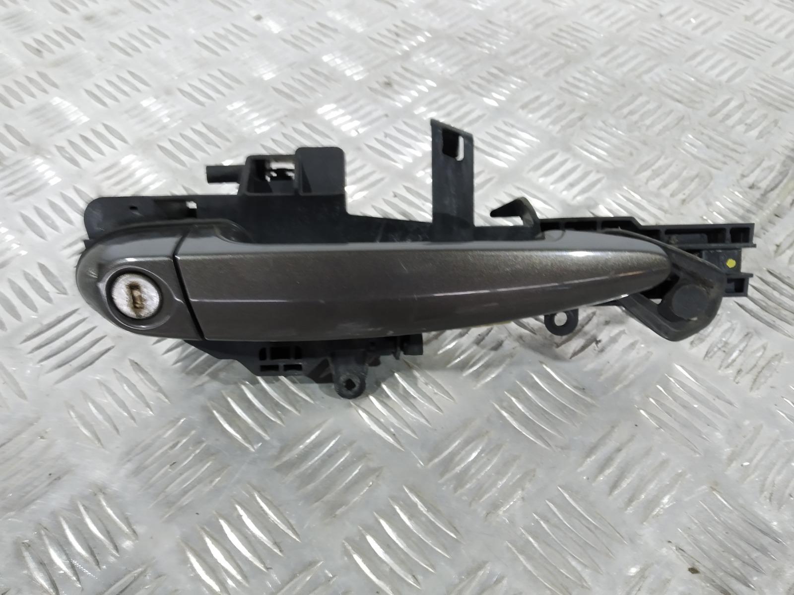 Ручка наружная передняя правая Bmw 1 E87 2.0 TD 2006 (б/у)