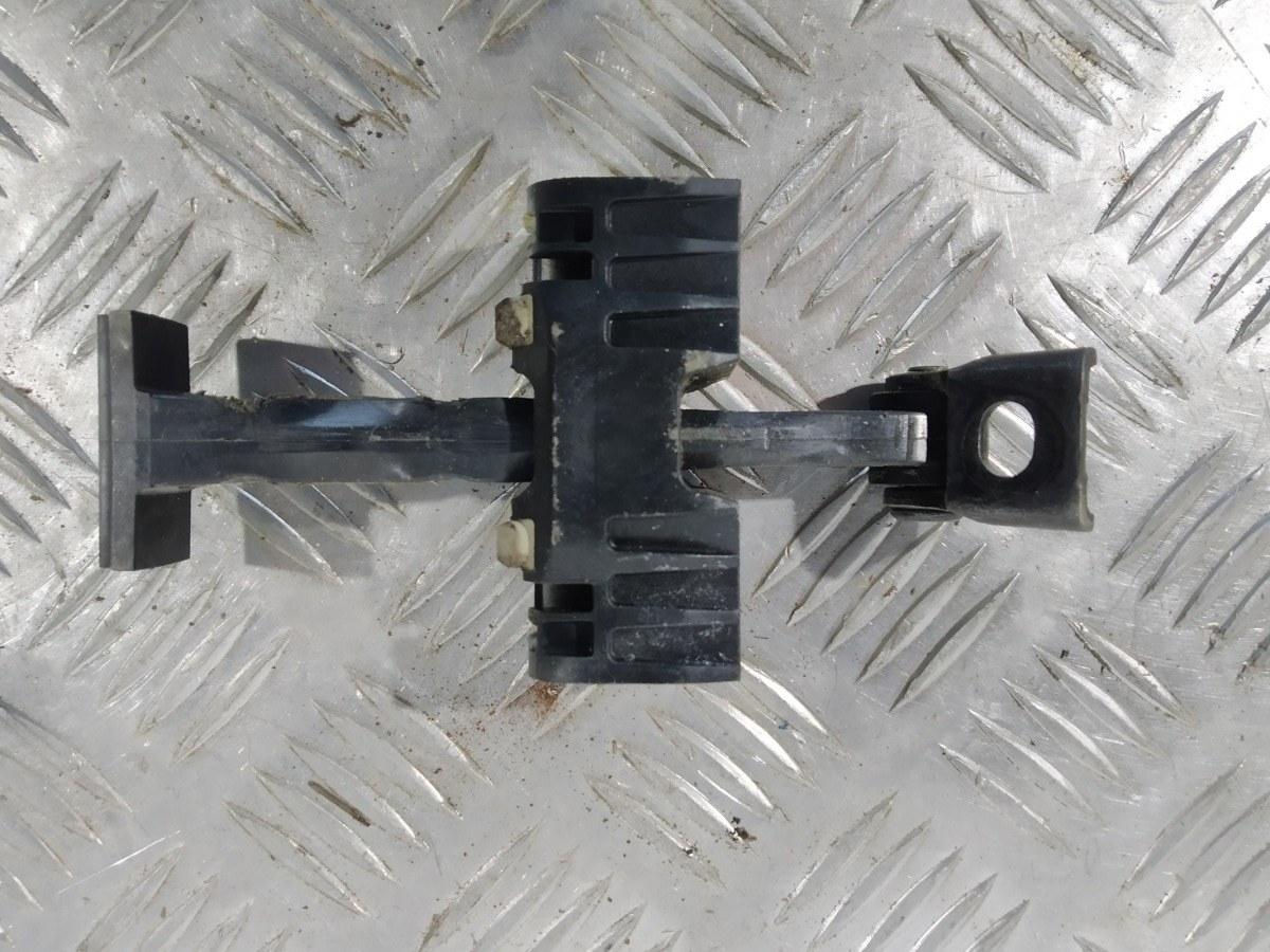 Ограничитель открывания двери Bmw 1 E87 2.0 TD 2006 (б/у)
