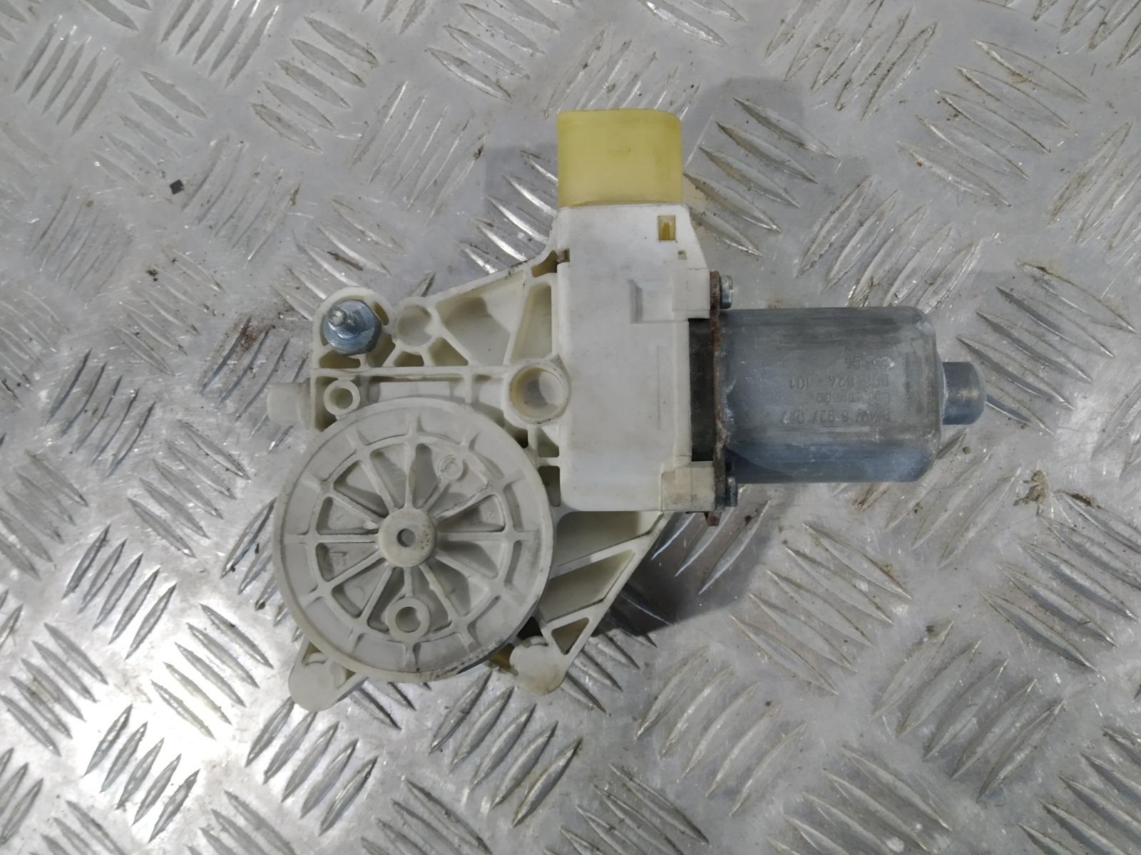 Моторчик стеклоподъемника передний левый Bmw 1 E87 2.0 TD 2006 (б/у)