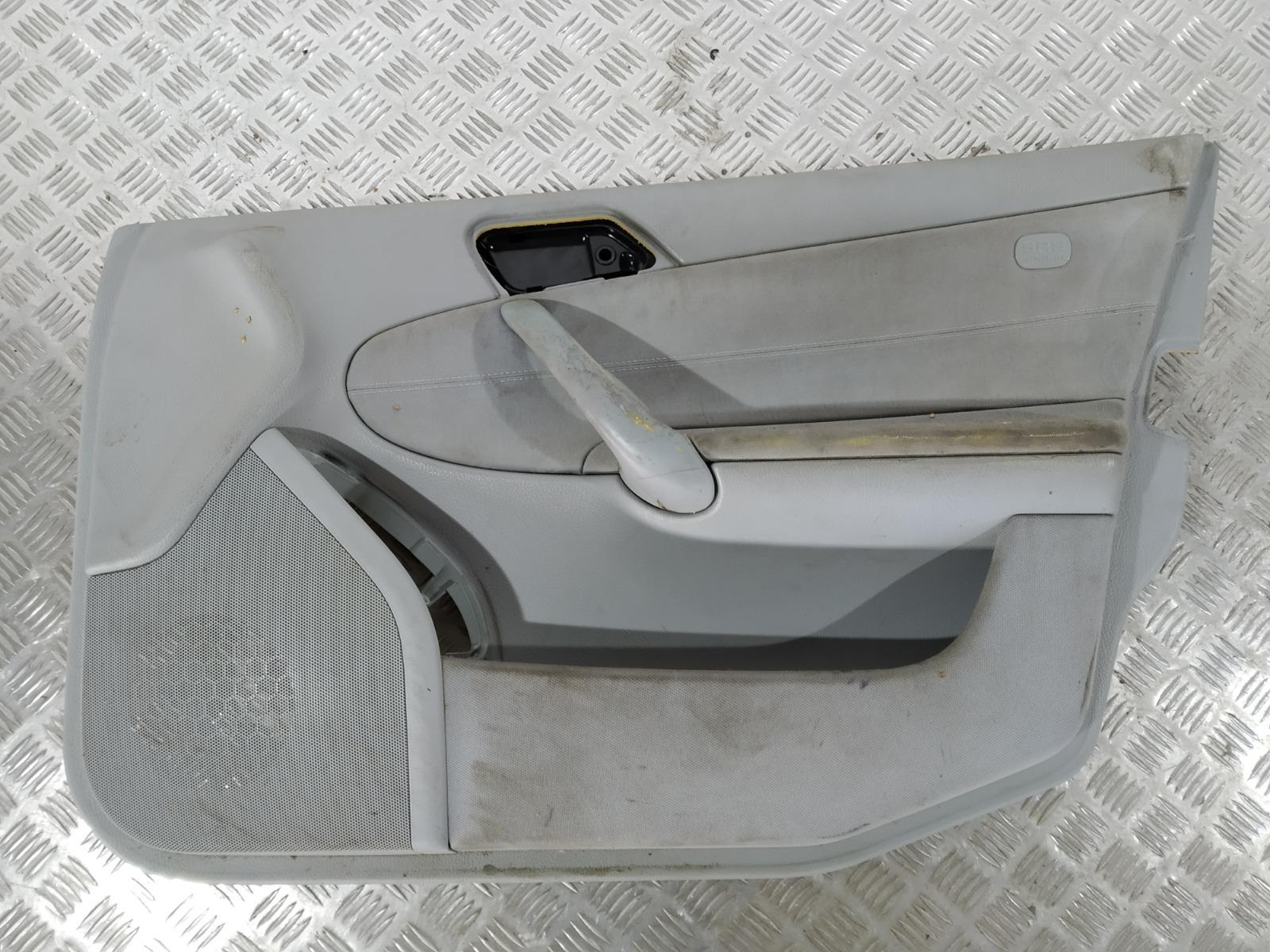 Обшивка двери передней правой (дверная карта) Mercedes C W203 2.2 CDI 2004 (б/у)