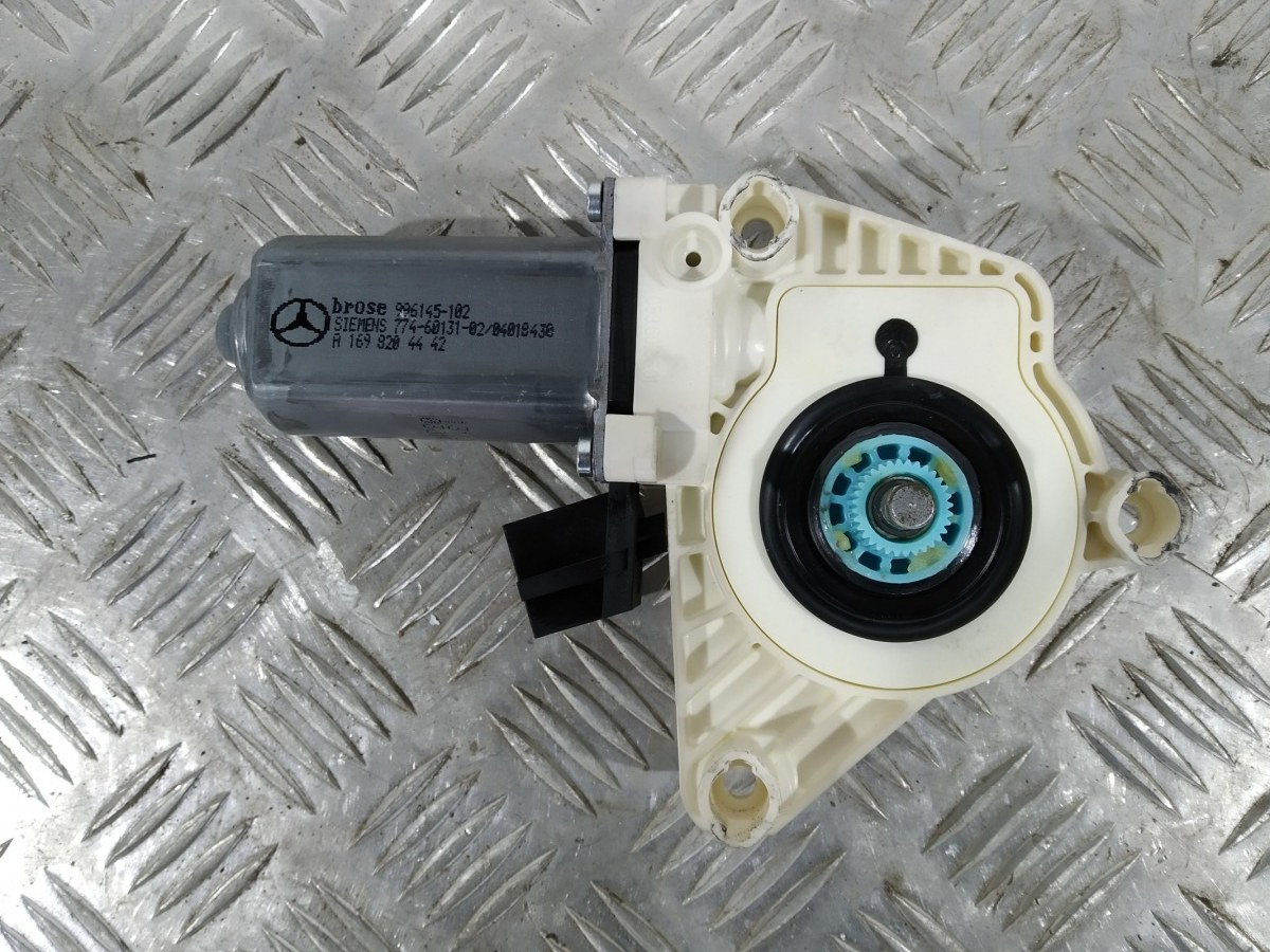 Моторчик стеклоподъемника передний правый Mercedes B W245 2.0 CDI 2008 (б/у)