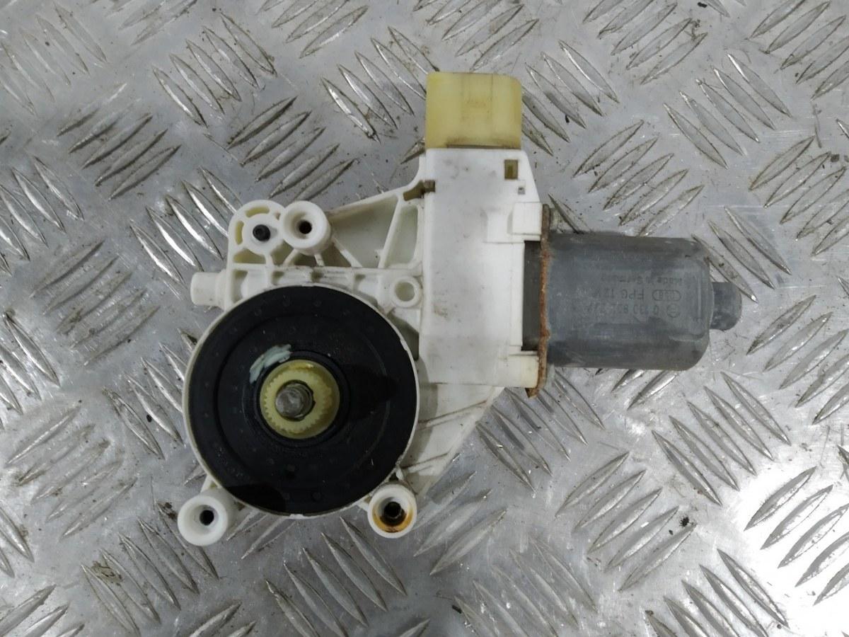 Моторчик стеклоподъемника передний правый Bmw 3 E90 2.0 I 2006 (б/у)