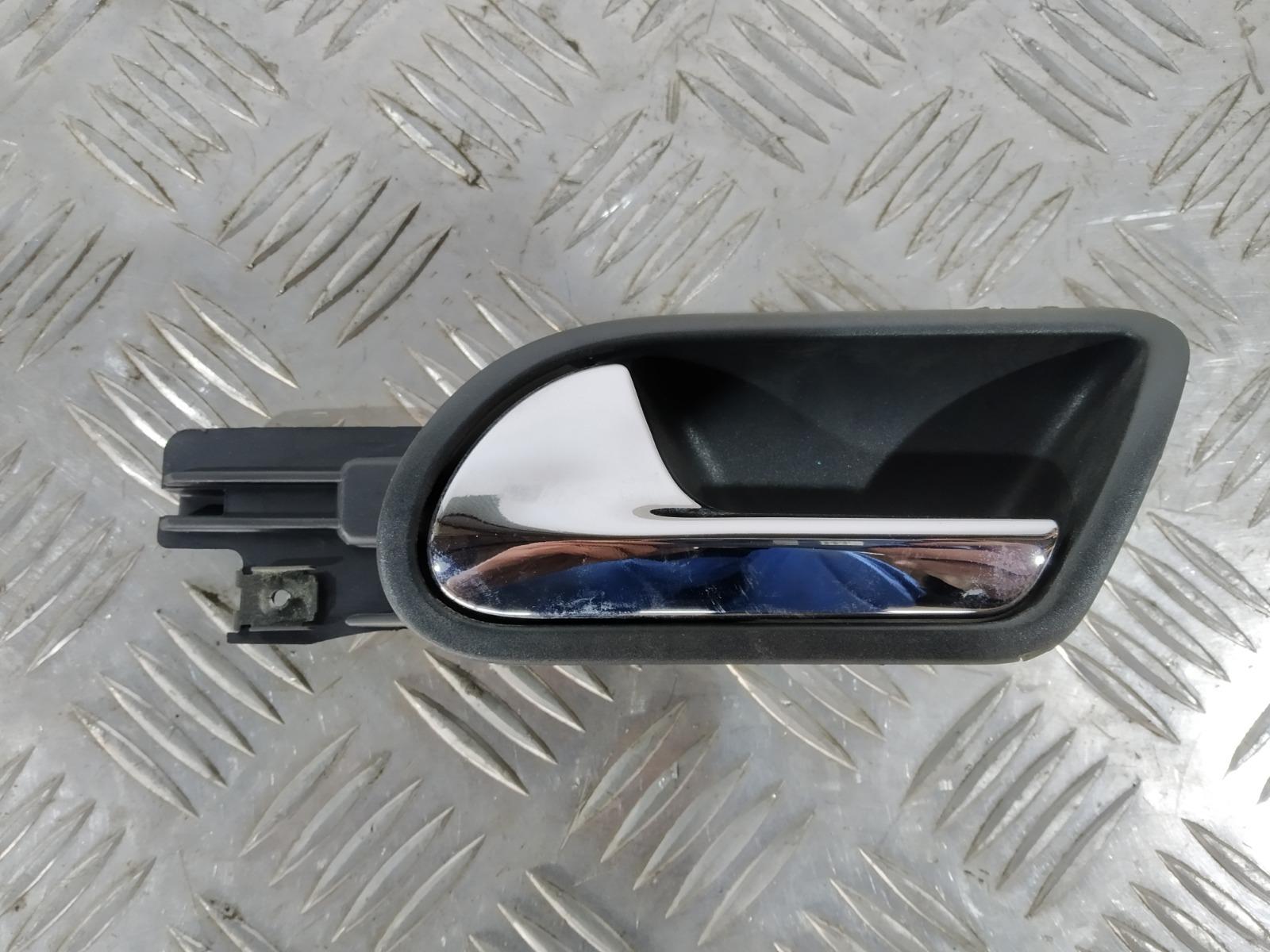Ручка внутренняя задняя левая Volkswagen Golf 5 1.6 FSI 2006 (б/у)