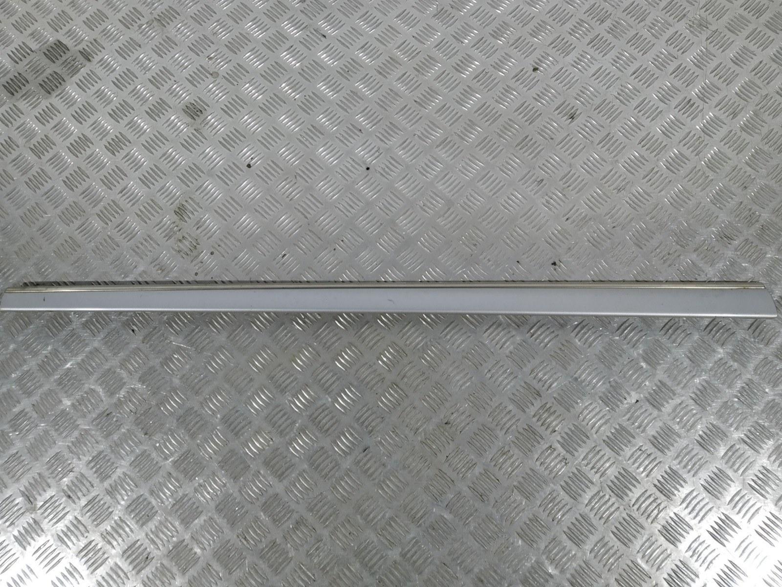 Молдинг двери передней правой Mercedes S W220 3.7 I 2003 (б/у)