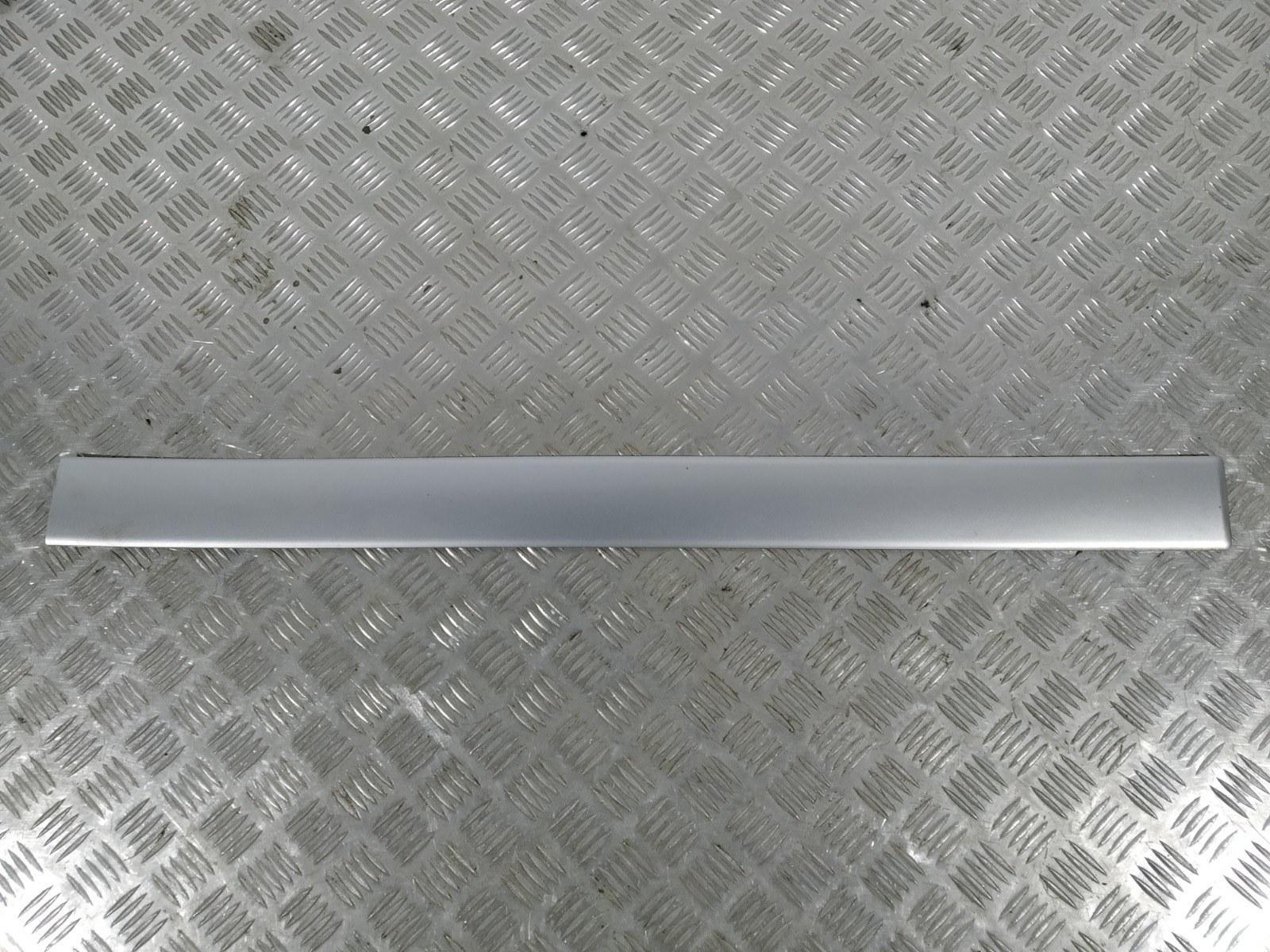 Молдинг двери передней правой Audi A2 8Z 1.4 I 2000 (б/у)