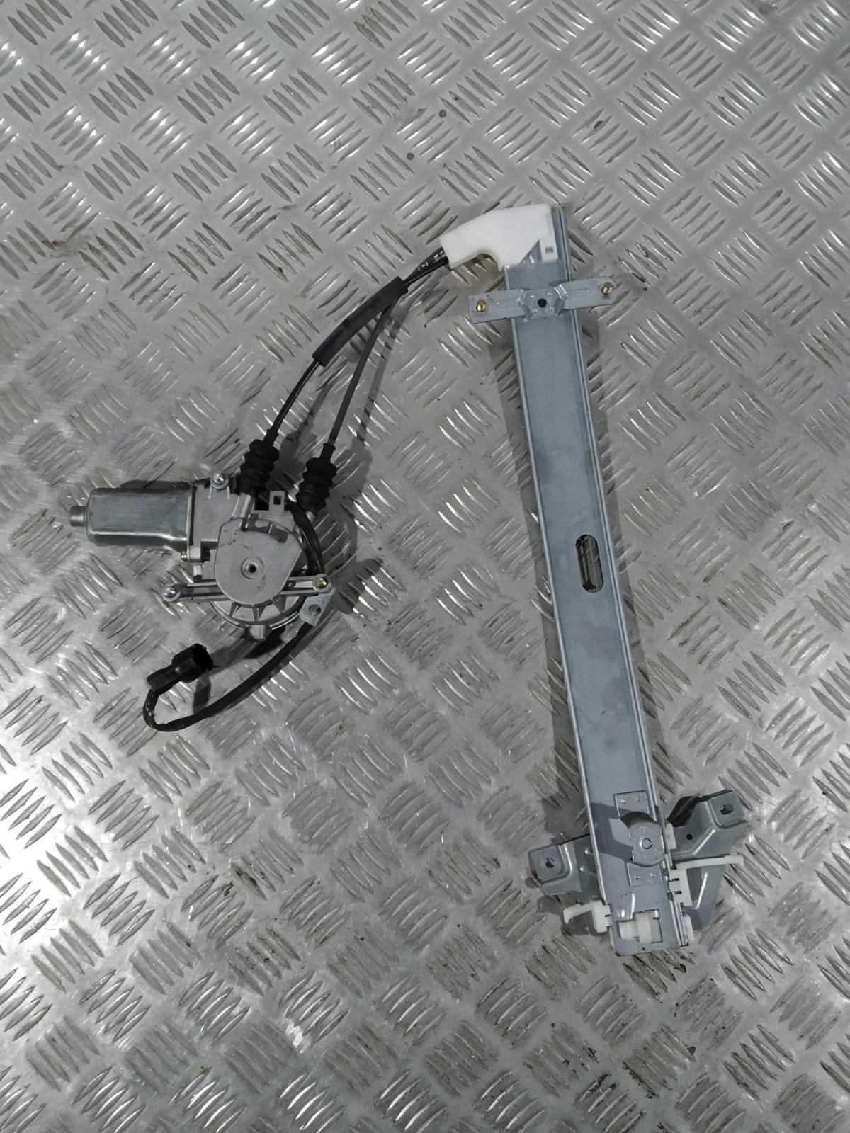 Стеклоподъемник электрический задний правый Kia Sportage 2.0 I 2003 (б/у)