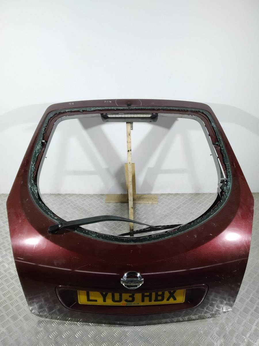 Крышка багажника (дверь 3-5) Nissan Primera 1.8 I 2003 (б/у)