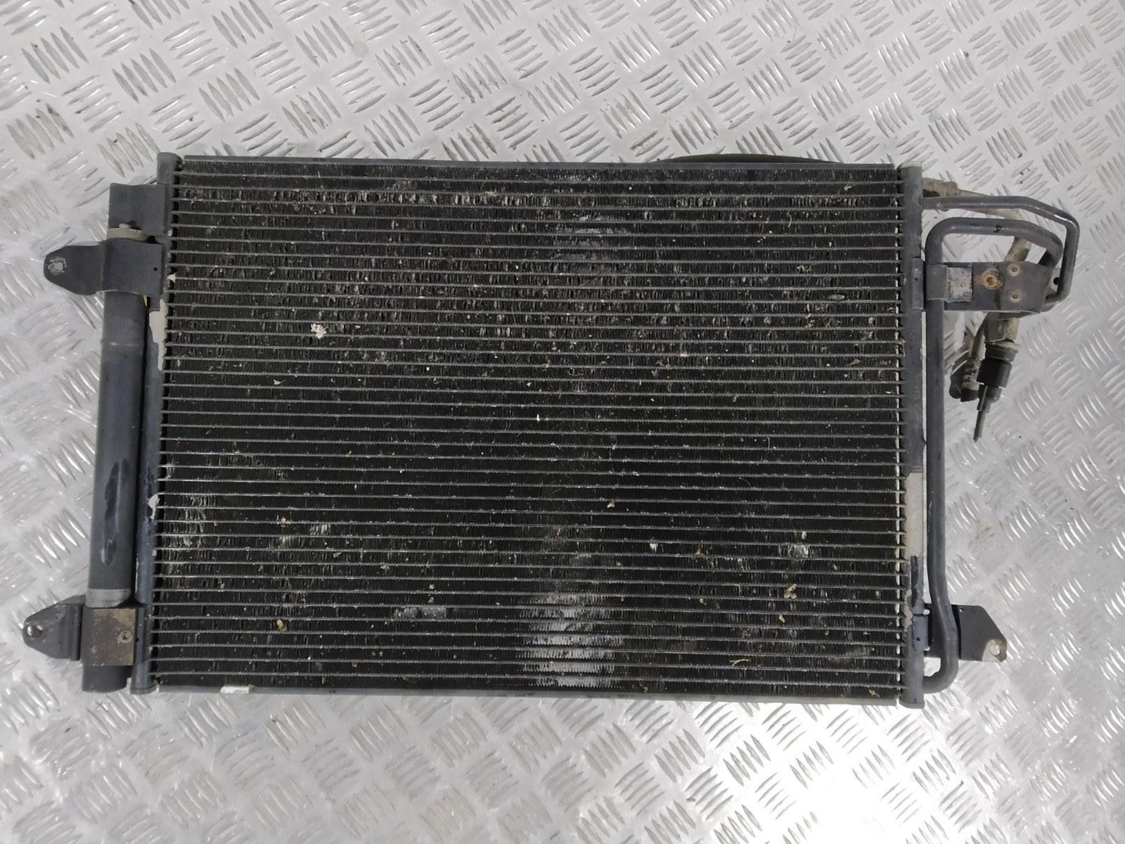 Радиатор кондиционера Audi A3 8P 1.6 I 2006 (б/у)