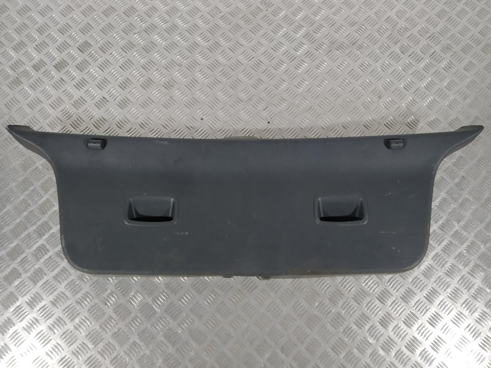 Обшивка крышки багажника Volkswagen Polo 1.2 I 2003 (б/у)