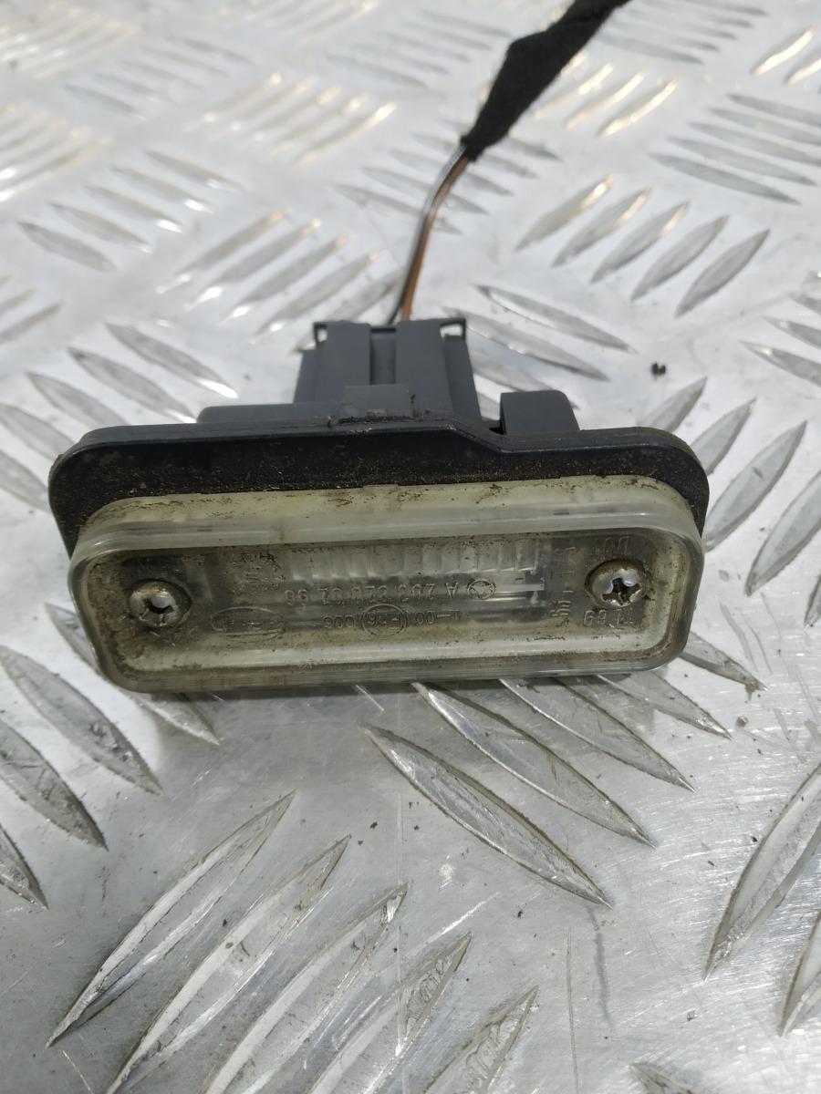 Подсветка номера Mercedes E W211 3.2 I 2003 (б/у)