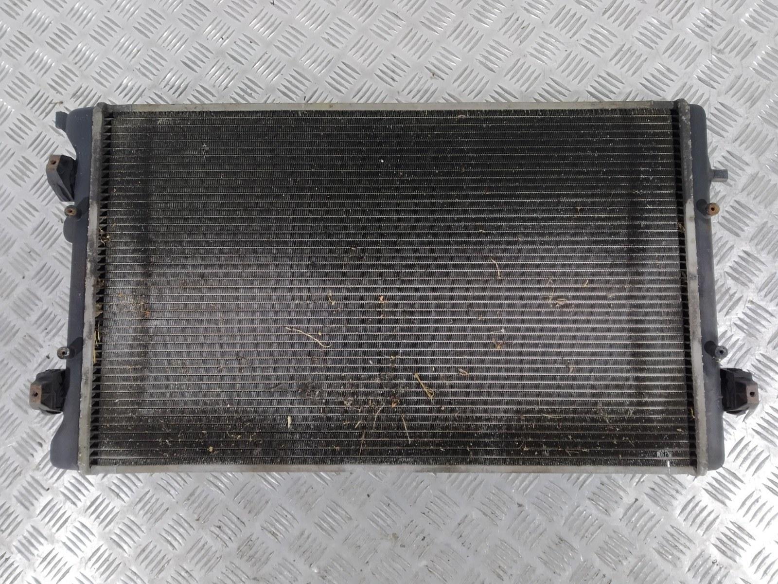 Радиатор (основной) Volkswagen Bora 2.0 I 2001 (б/у)