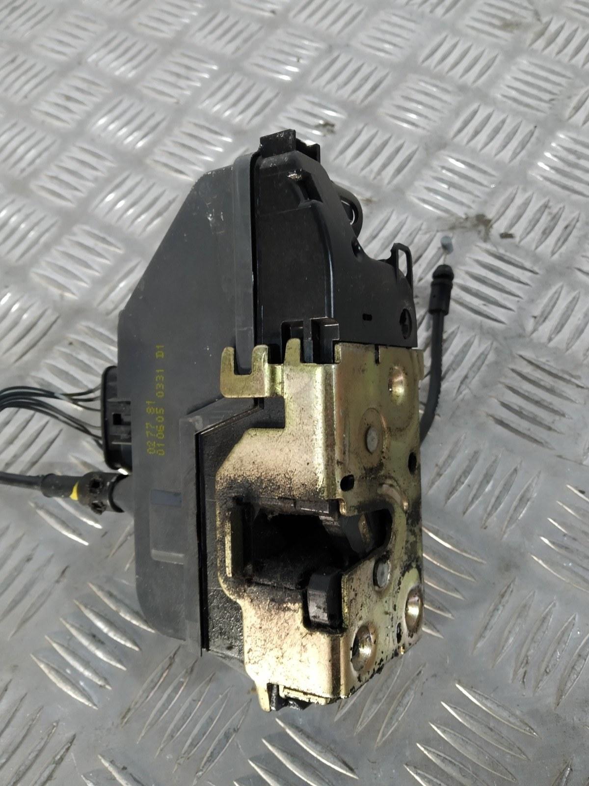 Замок двери передней правой Renault Megane 1.6 I 2005 (б/у)