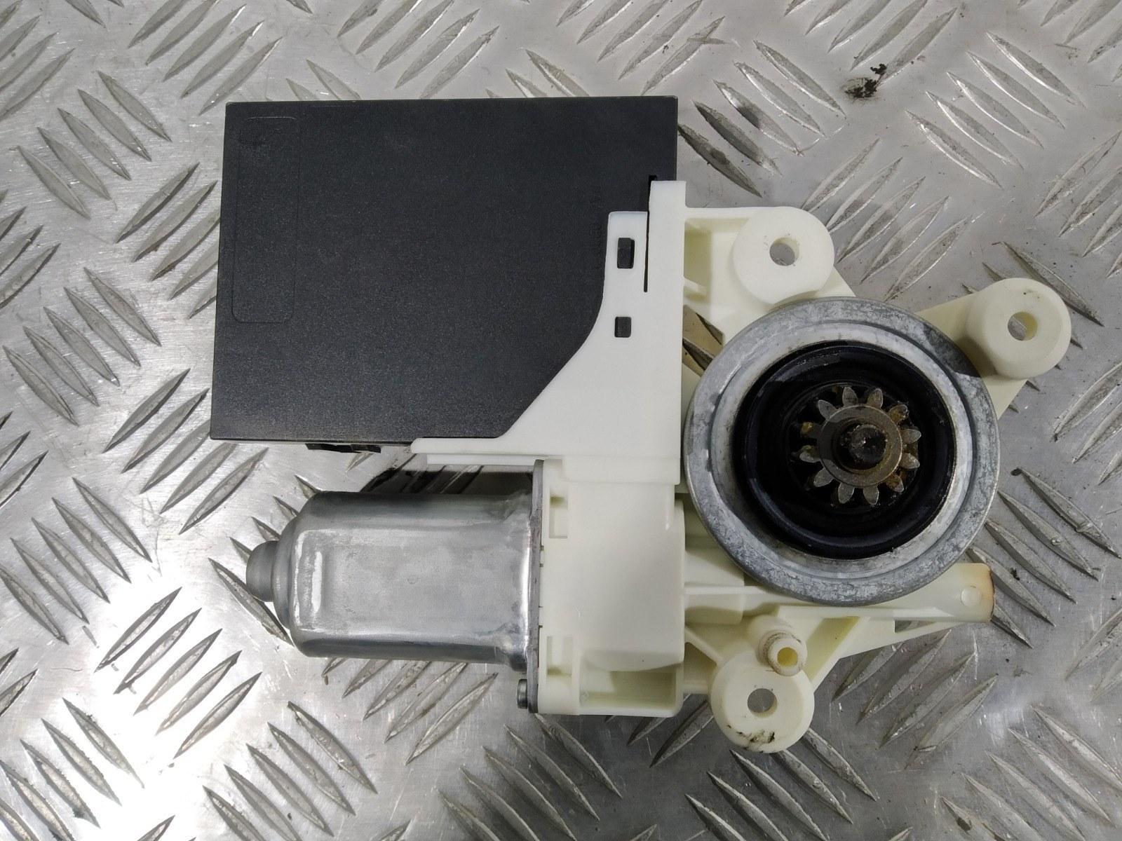 Моторчик стеклоподъемника передний левый Ford C-Max 2.0 I 2006 (б/у)