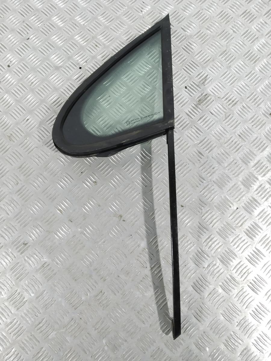 Форточка передняя левая Peugeot 207 1.4 I 2006 (б/у)