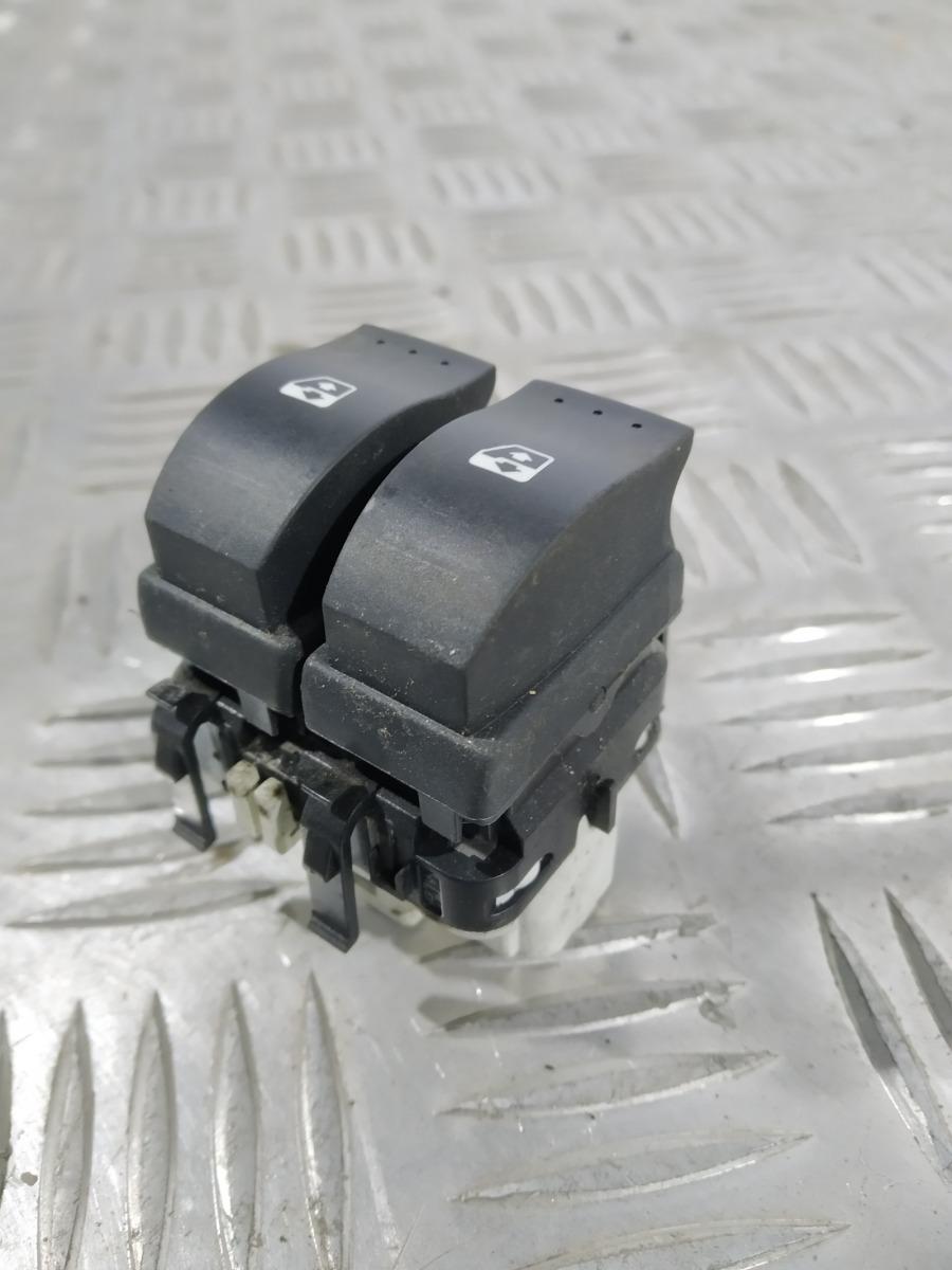 Кнопка стеклоподъемника Renault Espace 1.9 DCI 2004 (б/у)