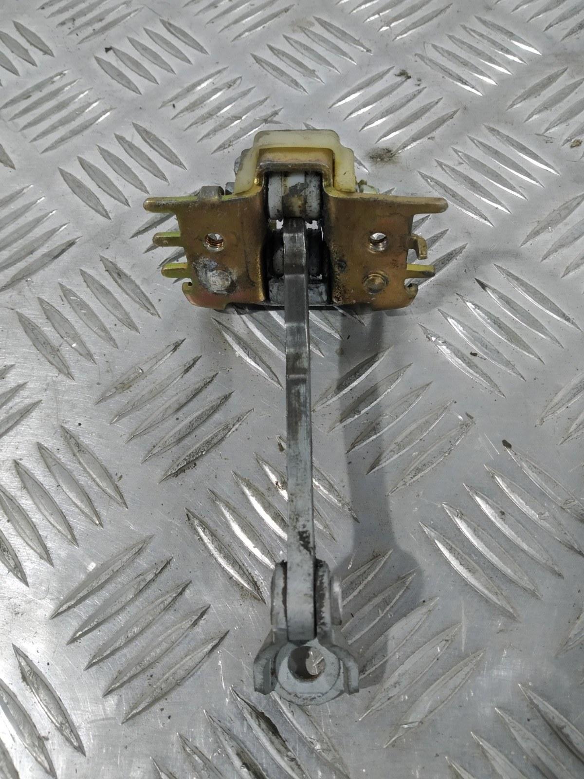 Ограничитель открывания двери Renault Espace 1.9 DCI 2004 (б/у)
