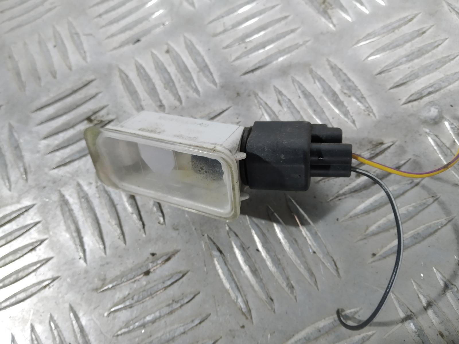 Подсветка номера Ford Mondeo 1.8 2009 (б/у)