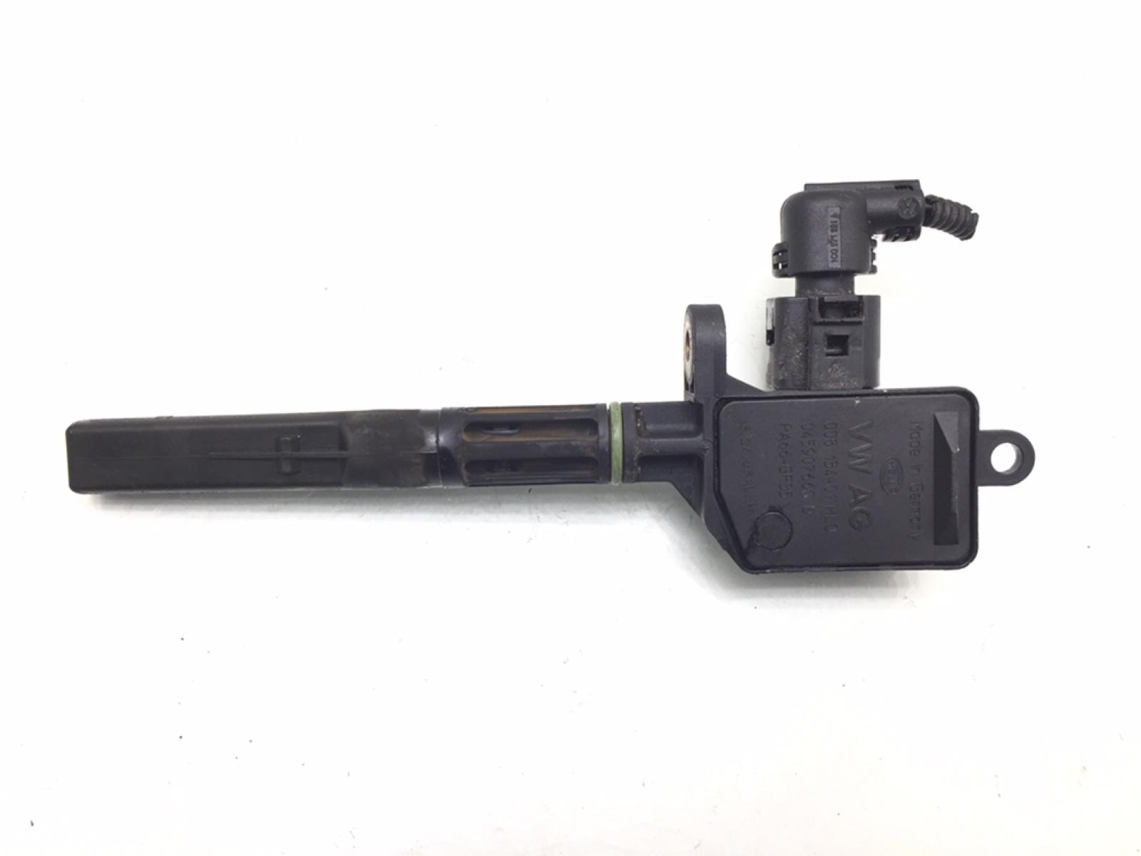 Датчик уровня масла Volkswagen Polo 1.2 I 2002 (б/у)
