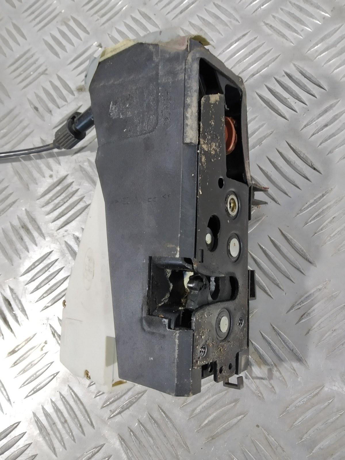 Замок двери передней правой Seat Alhambra 1.9 TDI 2002 (б/у)
