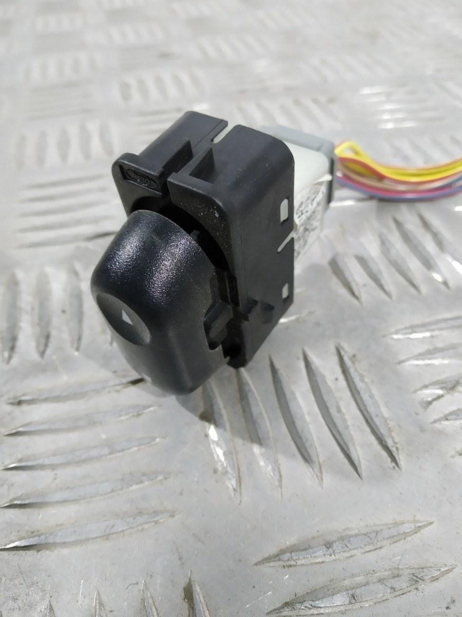 Кнопка стеклоподъемника Mazda Tribute 3.0 I 2004 (б/у)