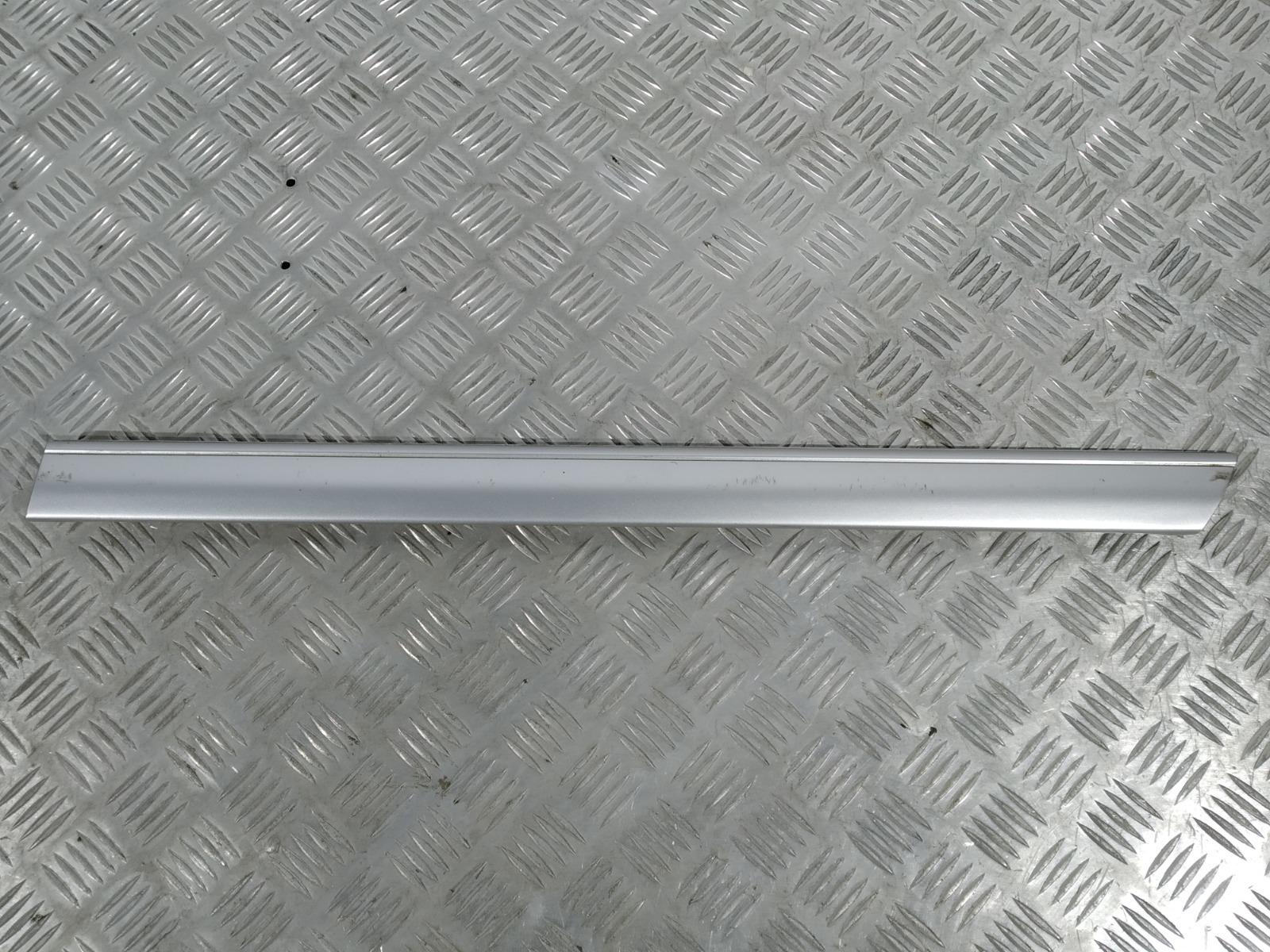 Молдинг двери задней левой Mercedes C W202 2.0 I 2000 (б/у)