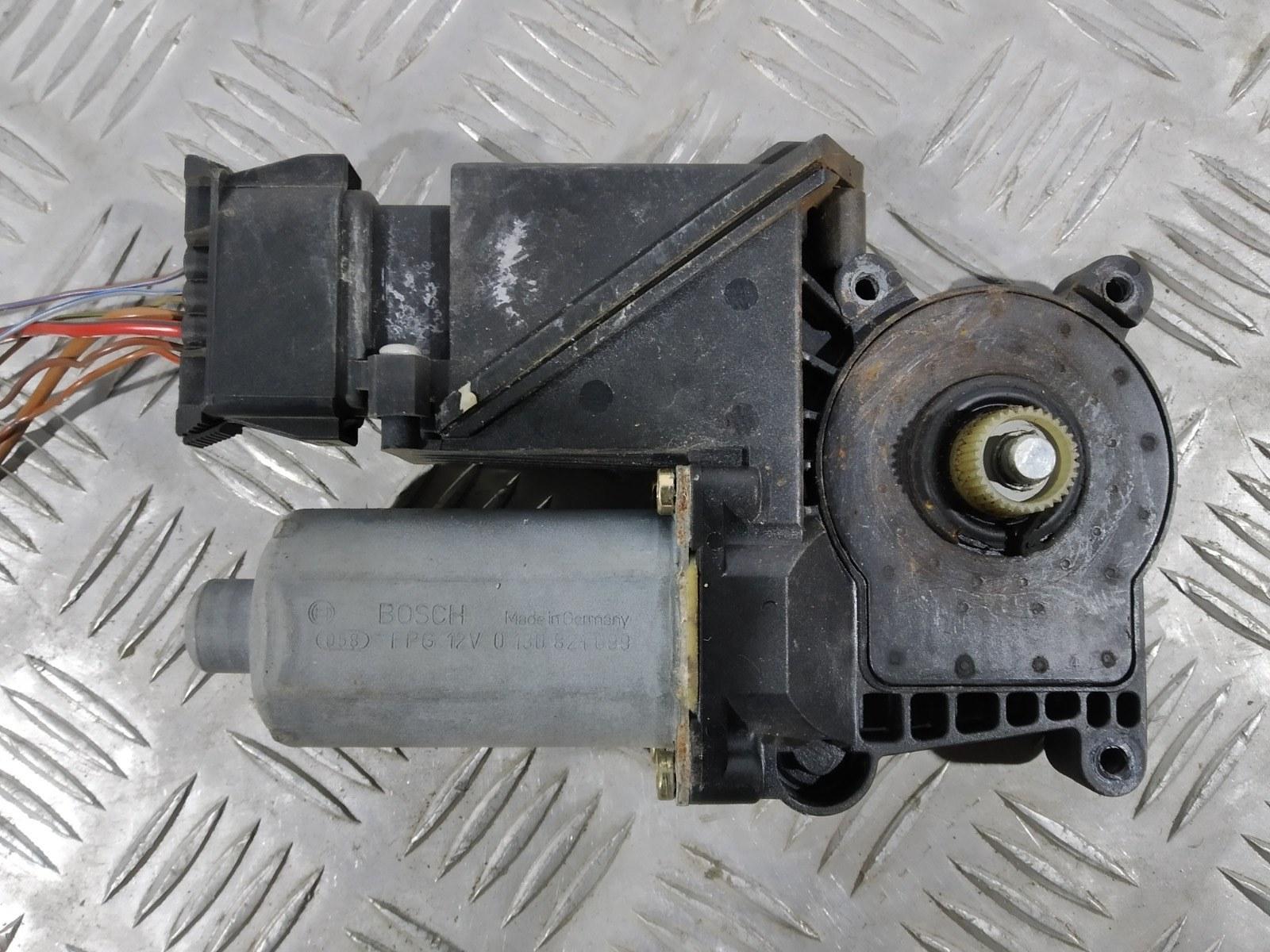 Моторчик стеклоподъемника задний левый Mercedes C W202 2.0 I 2000 (б/у)