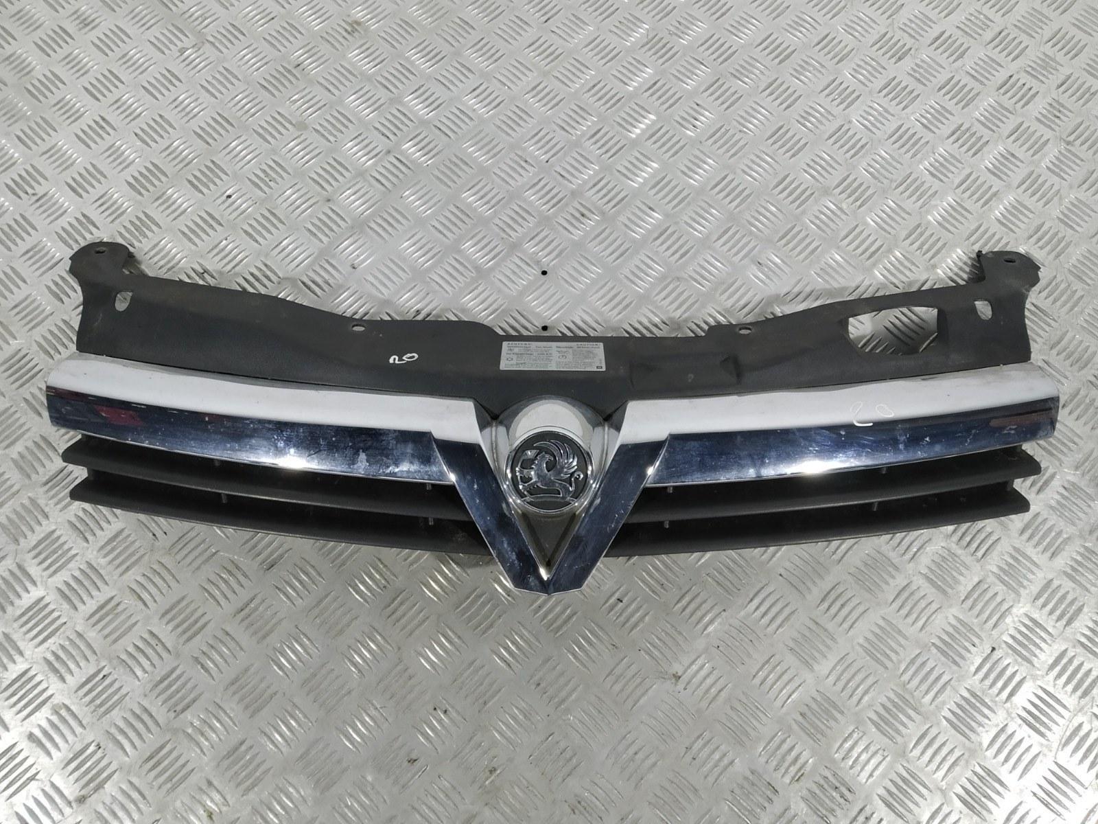 Решетка радиатора Opel Astra H 1.8 I 2005 (б/у)