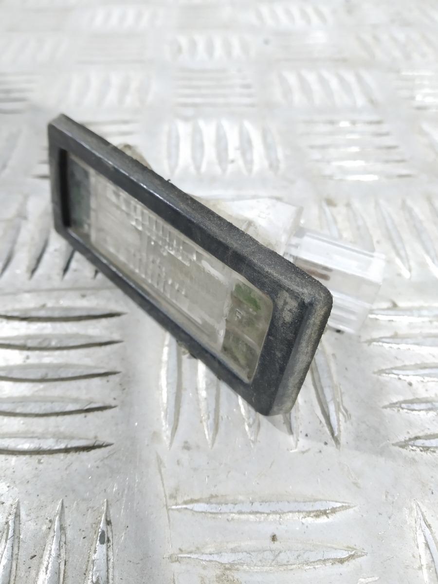 Подсветка номера Renault Scenic 1.6 I 2006 (б/у)