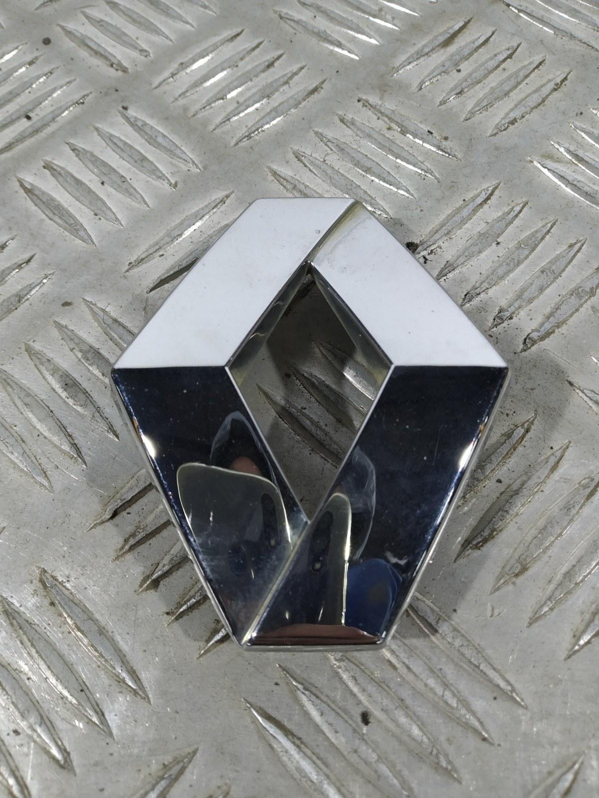 Эмблема Renault Scenic 1.6 I 2006 (б/у)
