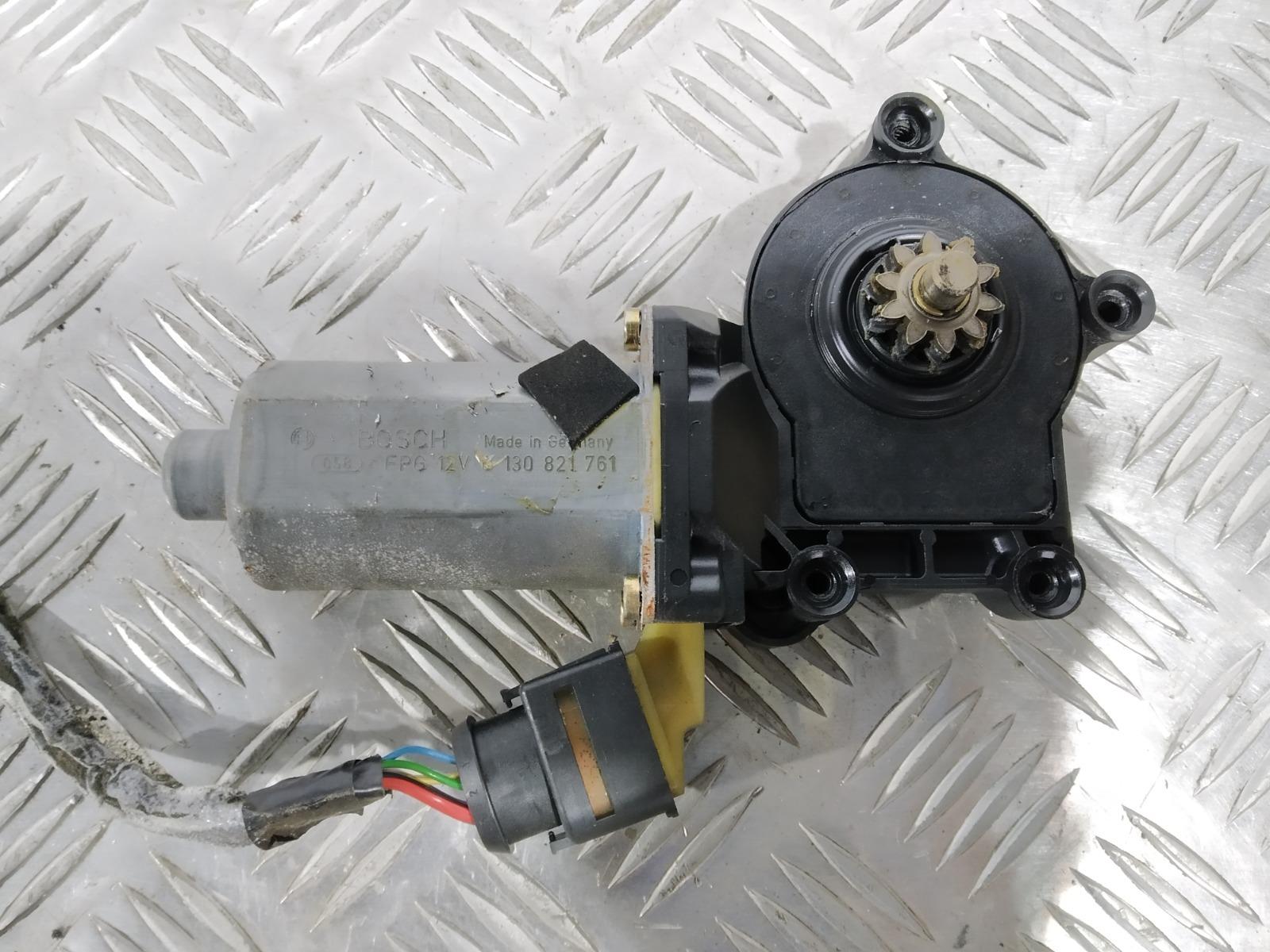 Моторчик стеклоподъемника передний правый Volvo S80 2.4 I 2000 (б/у)