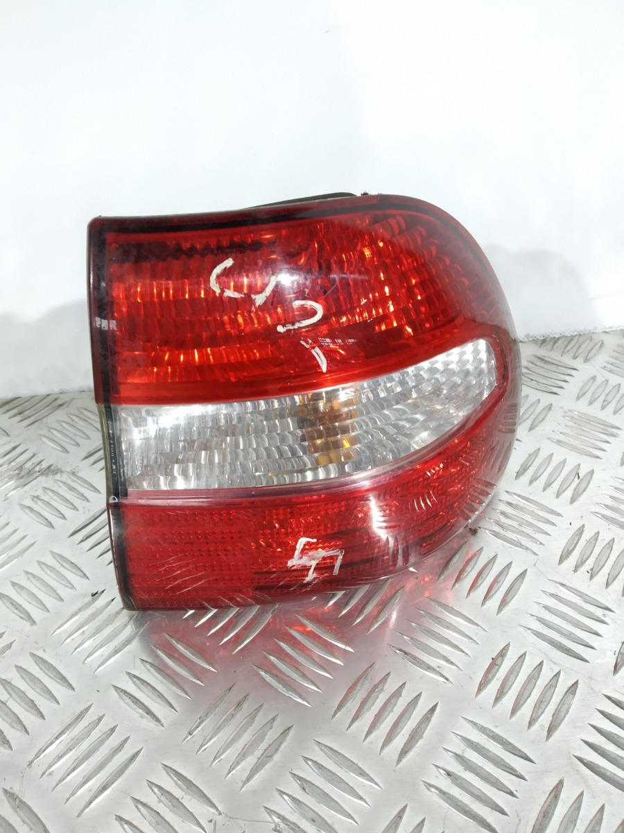 Фонарь задний правый Volvo V40 1.8 I 2004 (б/у)
