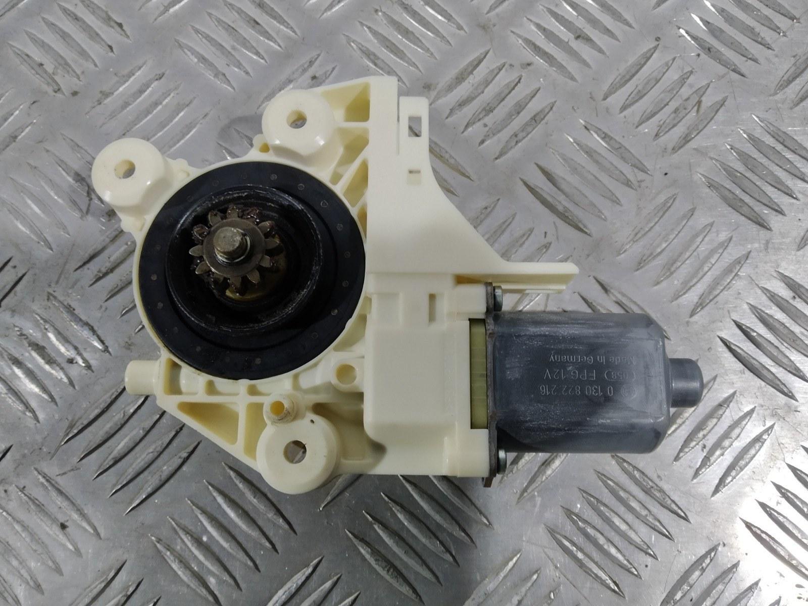 Моторчик стеклоподъемника передний правый Ford Focus 1.8 I 2009 (б/у)