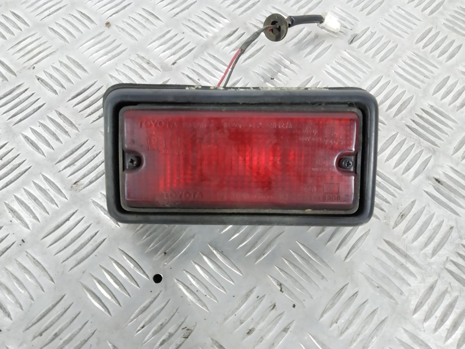 Фонарь противотуманный правый Toyota Rav4 2.0 I 2000 (б/у)