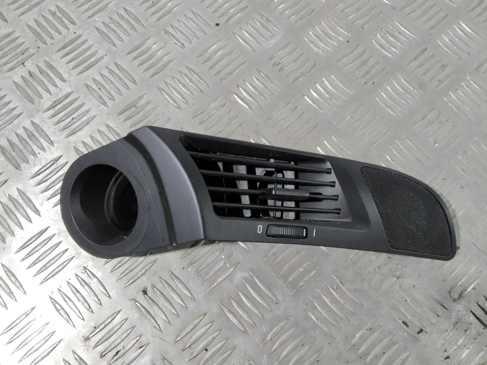 Дефлектор обдува салона Bmw 5 E39 2.0 I 1997 (б/у)