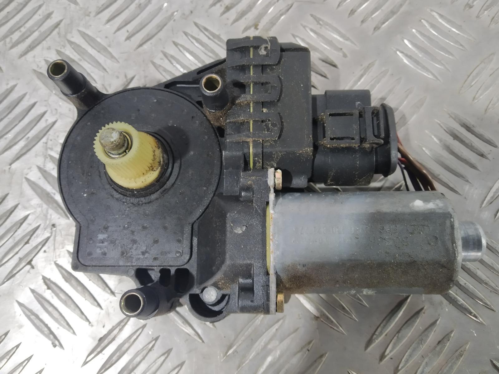 Моторчик стеклоподъемника передний правый Audi A6 C5 2.5 TDI 2003 (б/у)