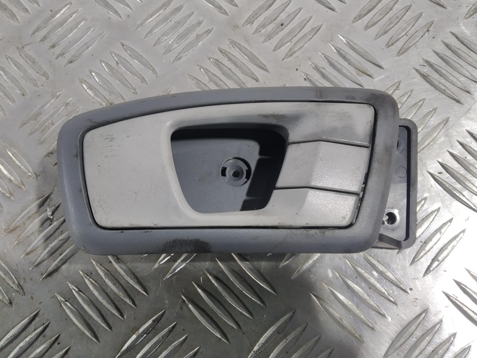 Ручка внутренняя задняя правая Kia Carens 2.0 CRDI 2005 (б/у)
